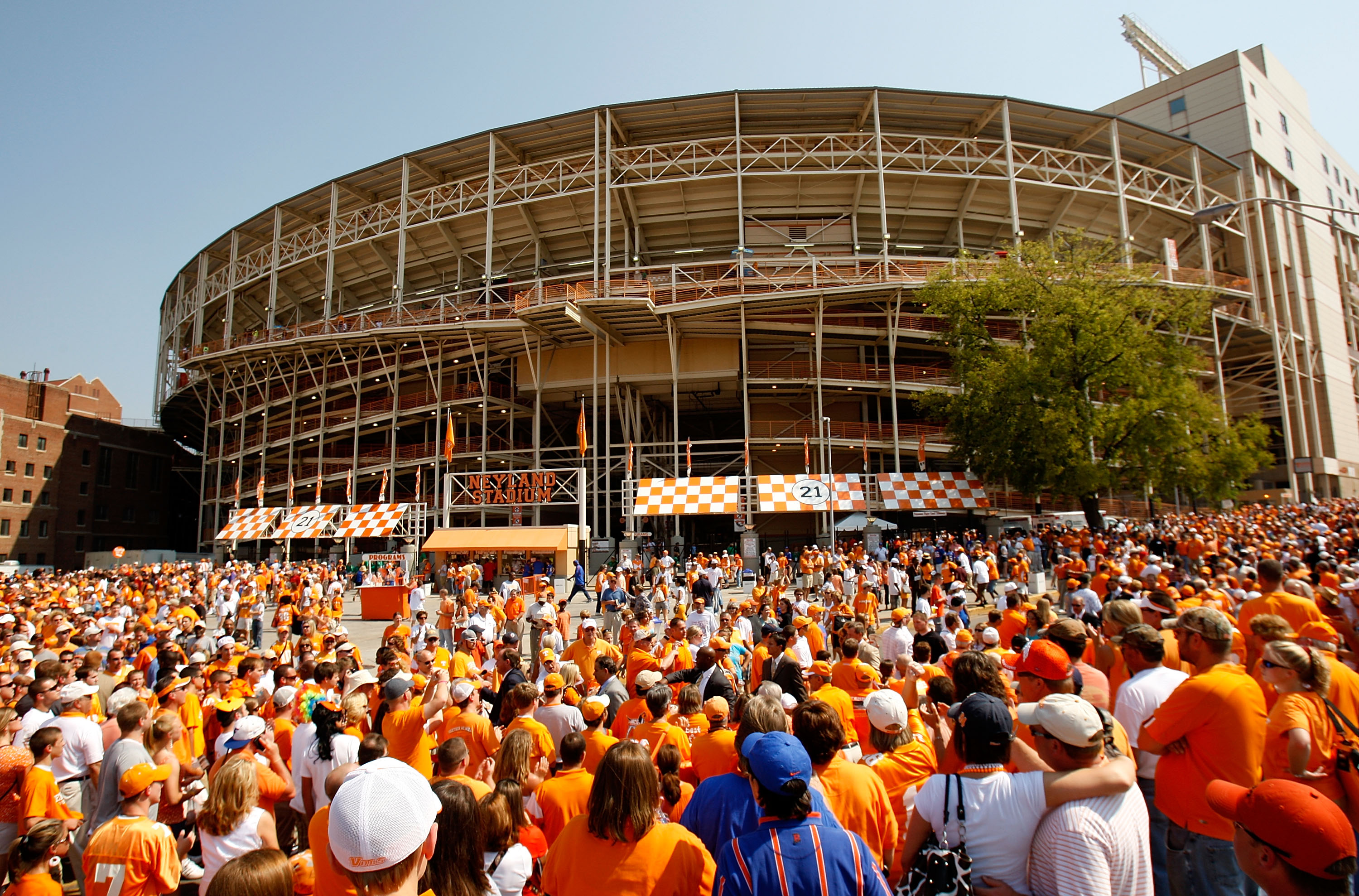 KNOXVILLE, TN - SEPTEMBER 20:  Fans watch on as the Tennessee Volunteers make their way through the crowd during the Vol Walk before the start of their game against the Florida Gators on September 20, 2008 at Neyland Stadium in Knoxville, Tennessee.  (Pho
