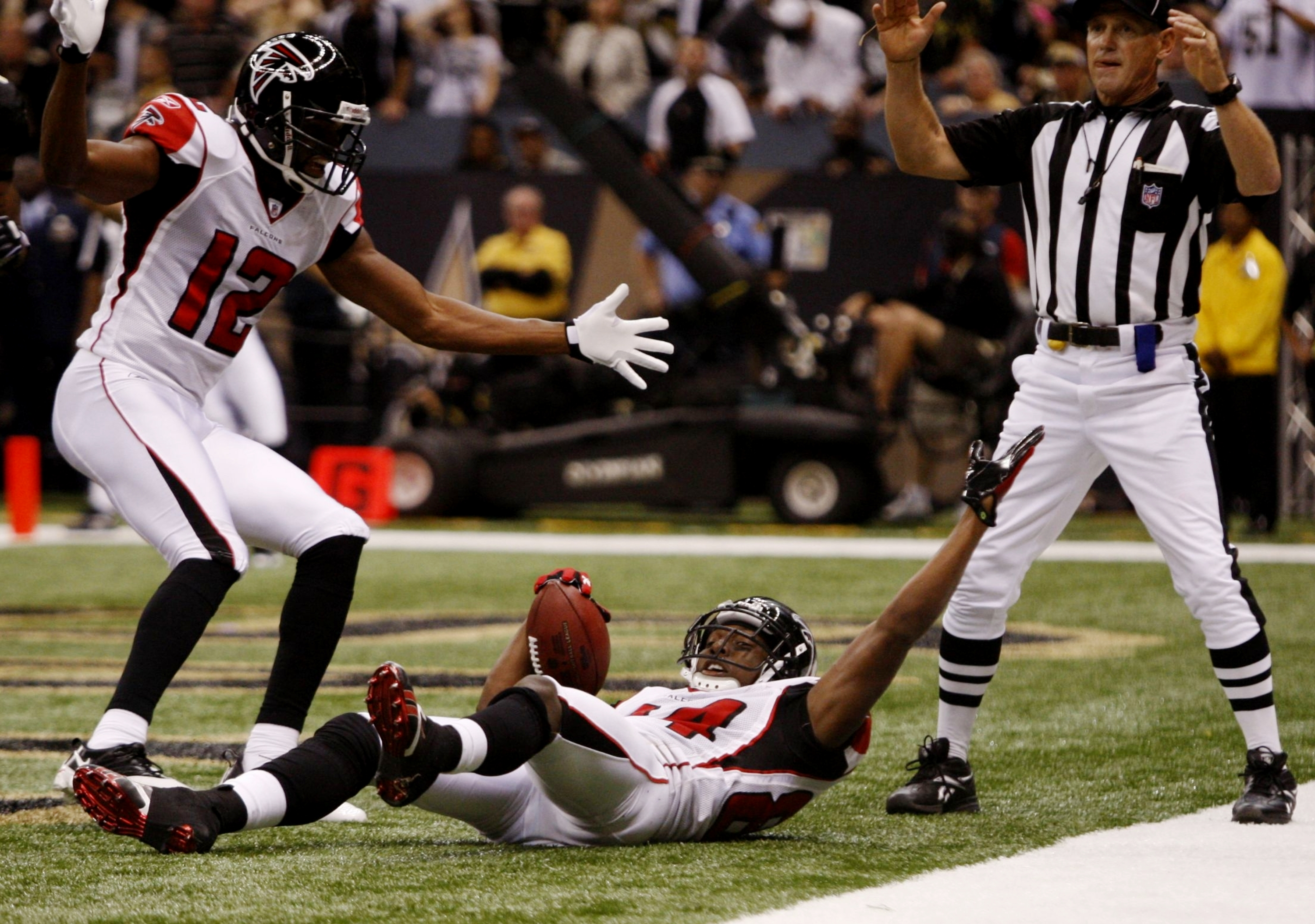 Roddy White scoring a touchdown in the Week 3 Victory against the Saints