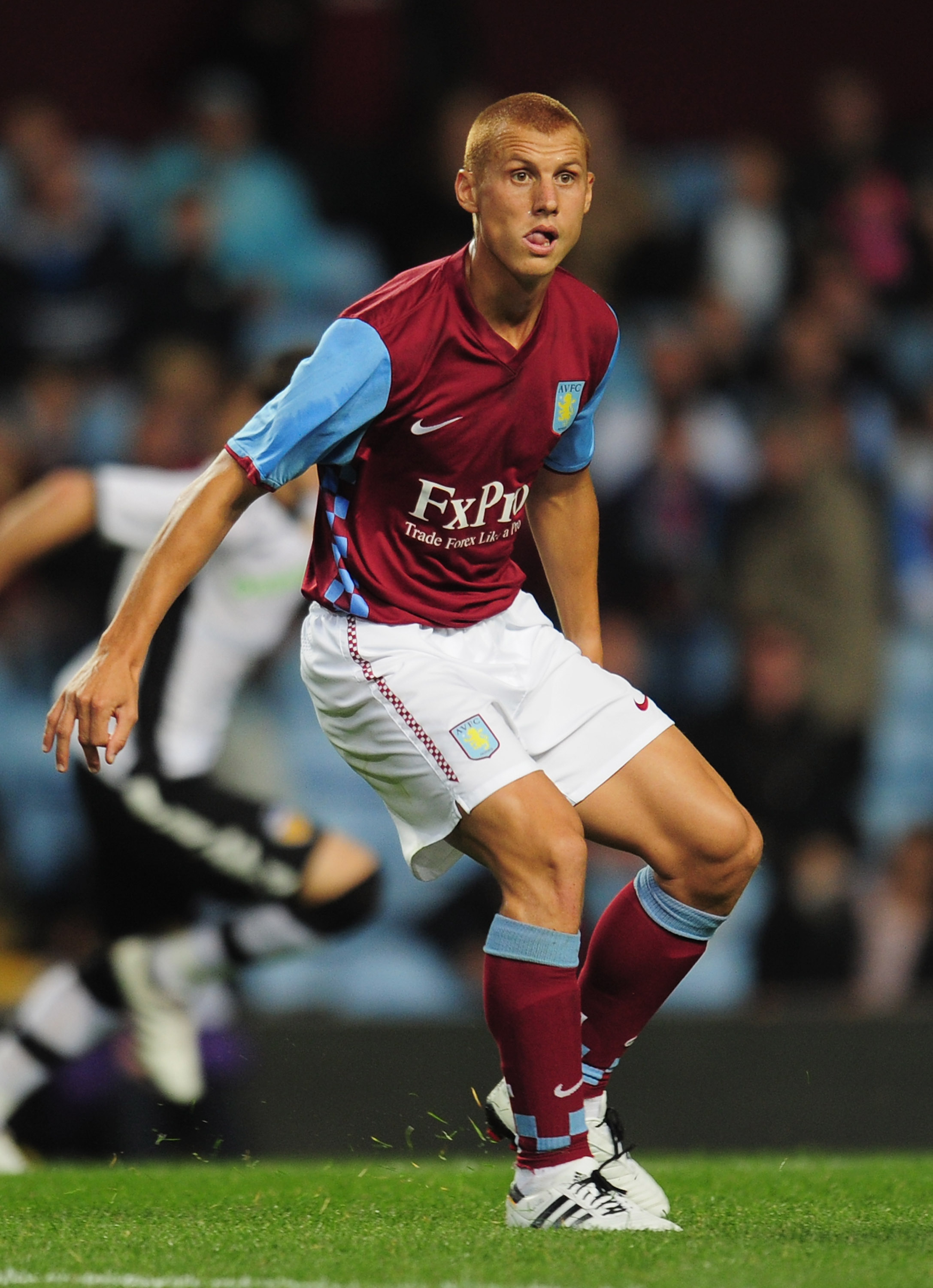 BIRMINGHAM, ENGLAND - AUGUST 06:  Steve Sidwell of Aston Villa in action during the friendly match between Aston Villa and Valencia at Villa Park on August 6, 2010 in Birmingham, England.  (Photo by Shaun Botterill/Getty Images)