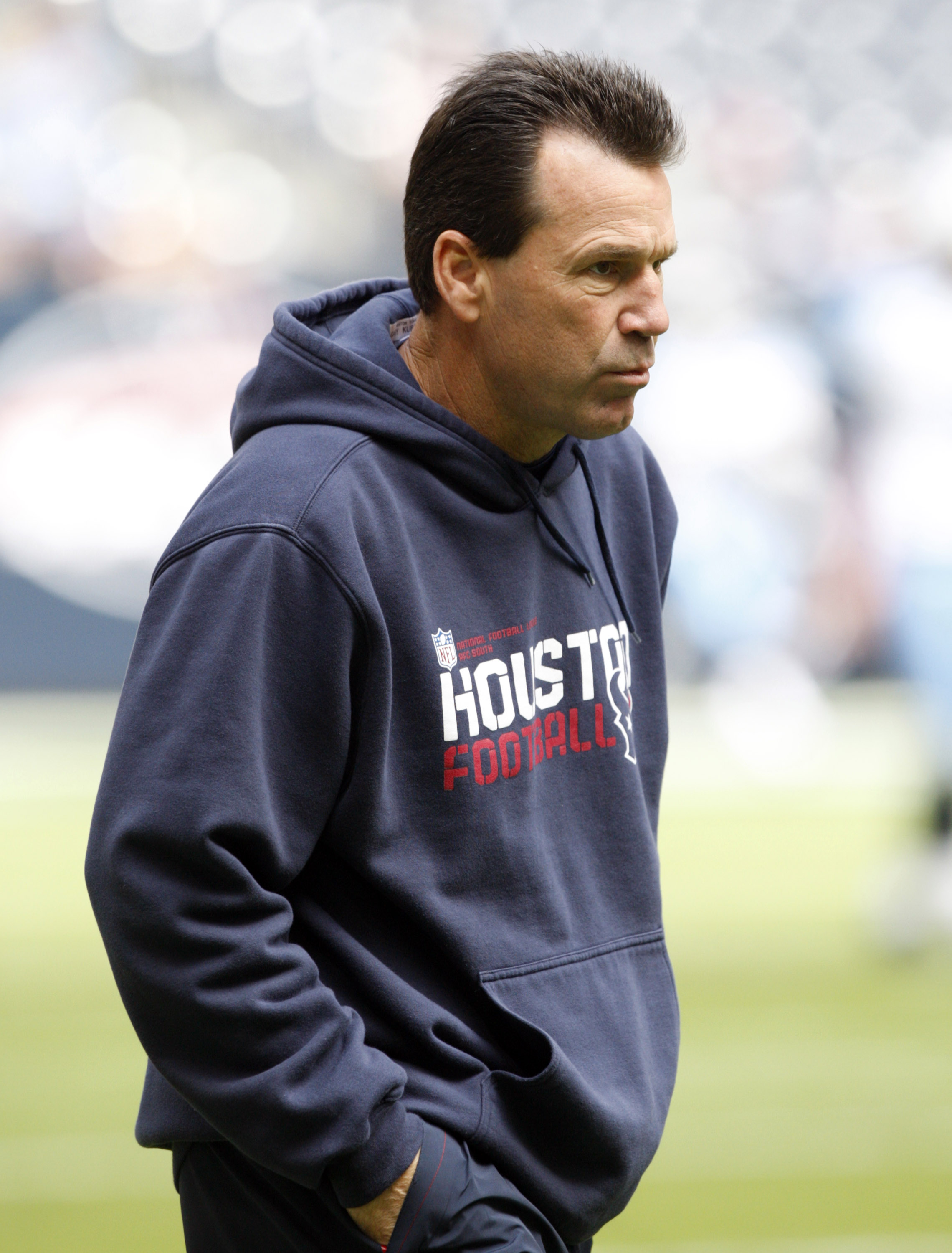 HOUSTON - NOVEMBER 28:  Head coach Gary Kubiak of the Houston Texans during pre-game warm ups before playing the Tennessee Titans at Reliant Stadium on November 28, 2010 in Houston, Texas.  (Photo by Bob Levey/Getty Images)