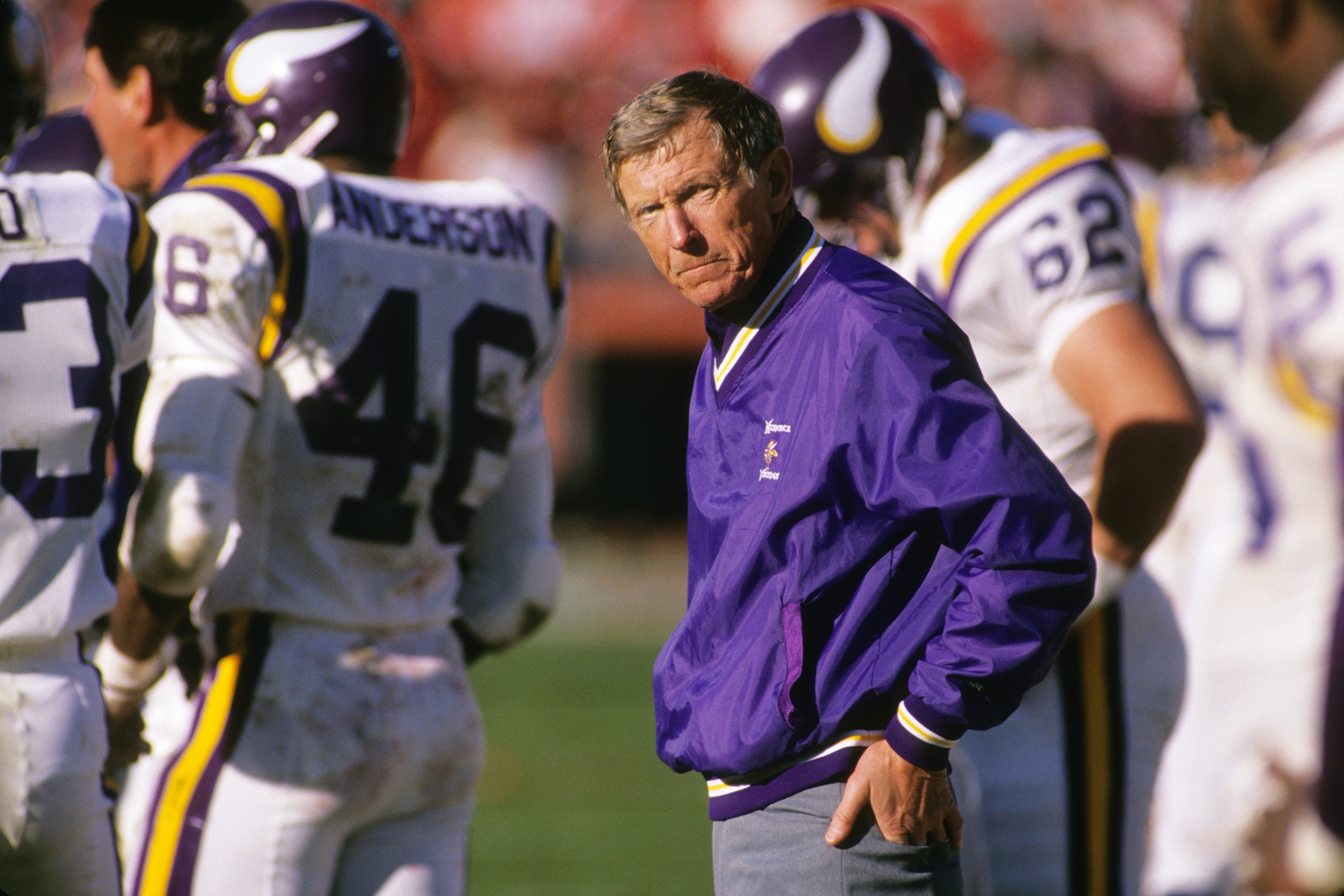 SAN FRANCISCO - JANUARY 1:  Head coach Jerry Burns of the Minnesota Vikings looks on during the 1988 NFC Divisional Playoffs against the San Francisco 49ers at Candlestick Park on January 1, 1989 in San Francisco, California.  The 49ers won 34-9.  (Photo