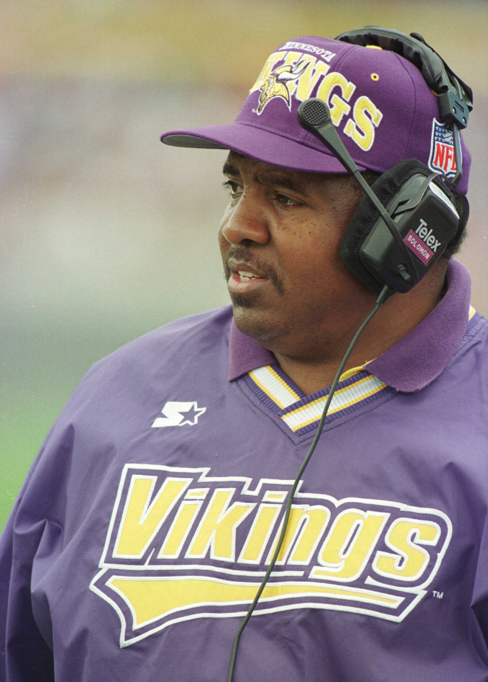 15 Sep 1996:  Head Coach Dennis Green of the Minnesota Vikings looks on from the sideline during the Vikings 20-14 victory over the Chicago Bears at Soldier Field in Chicago, Illinois.  Mandatory Credit: Jonathan Daniel/Allsport