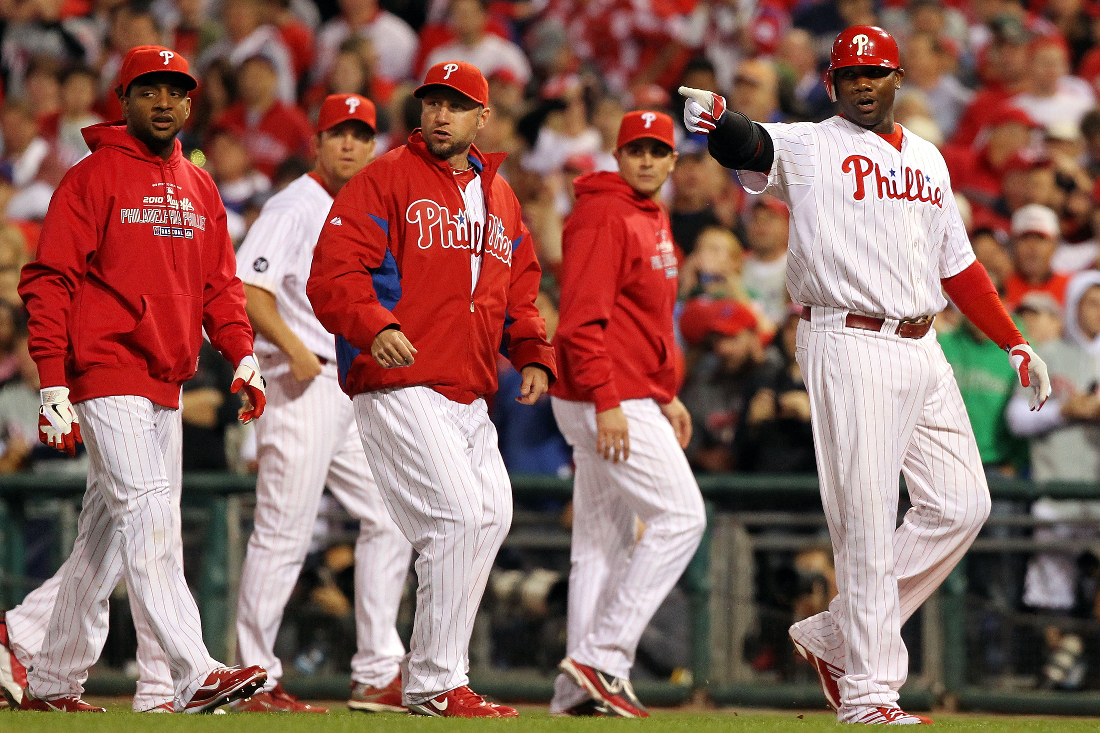 PHILADELPHIA - OCTOBER 23:  Ryan Howard #6 of the Philadelphia Phillies points towards the San Francisco Giants after benches cleared in Game Six of the NLCS during the 2010 MLB Playoffs at Citizens Bank Park on October 23, 2010 in Philadelphia, Pennsylva