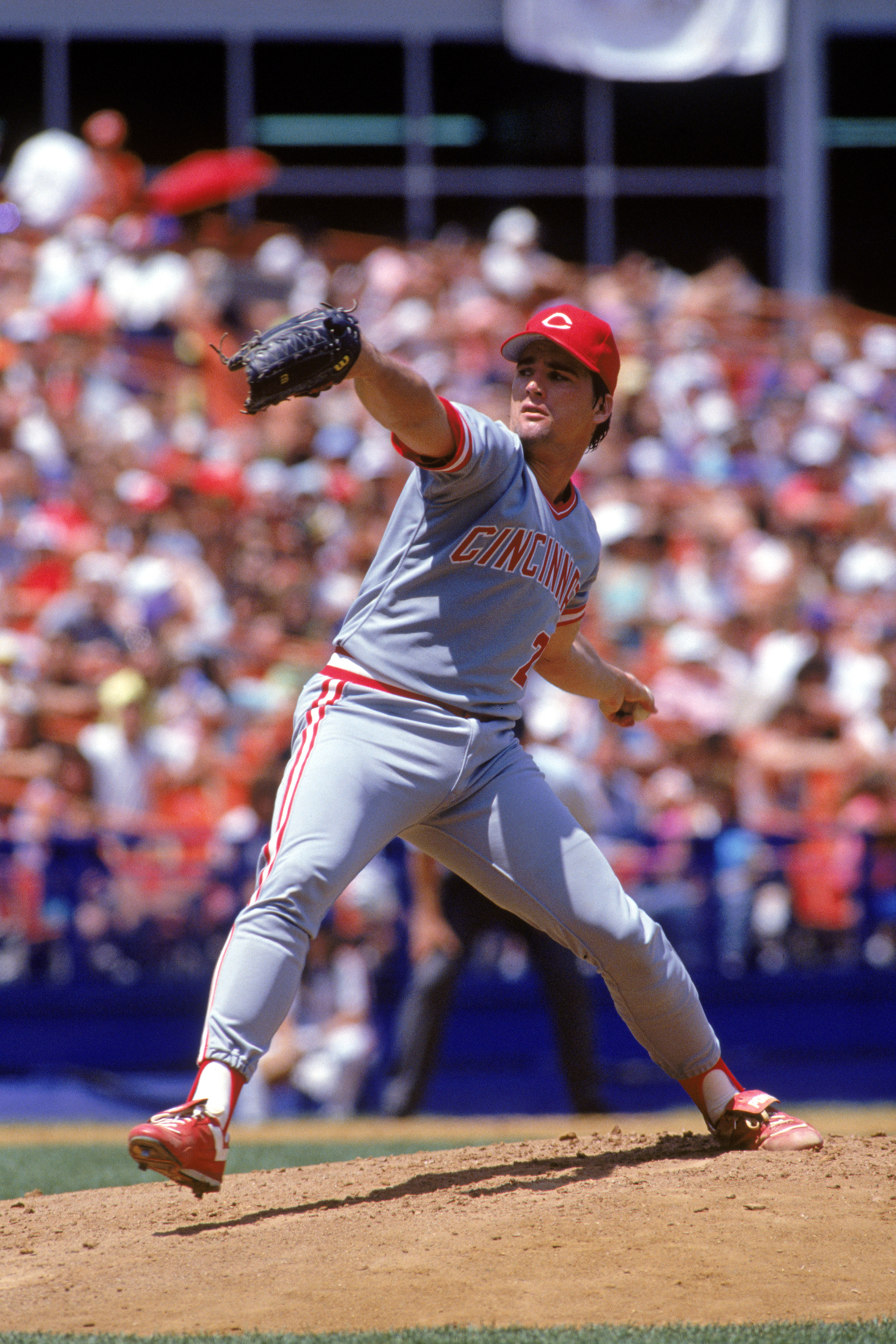 1990:  Danny Jackson of the Cincinnati Reds winds back to  pitch during a MLB game in the 1990 season. ( Photo by: Scott Halleran/Getty Images)