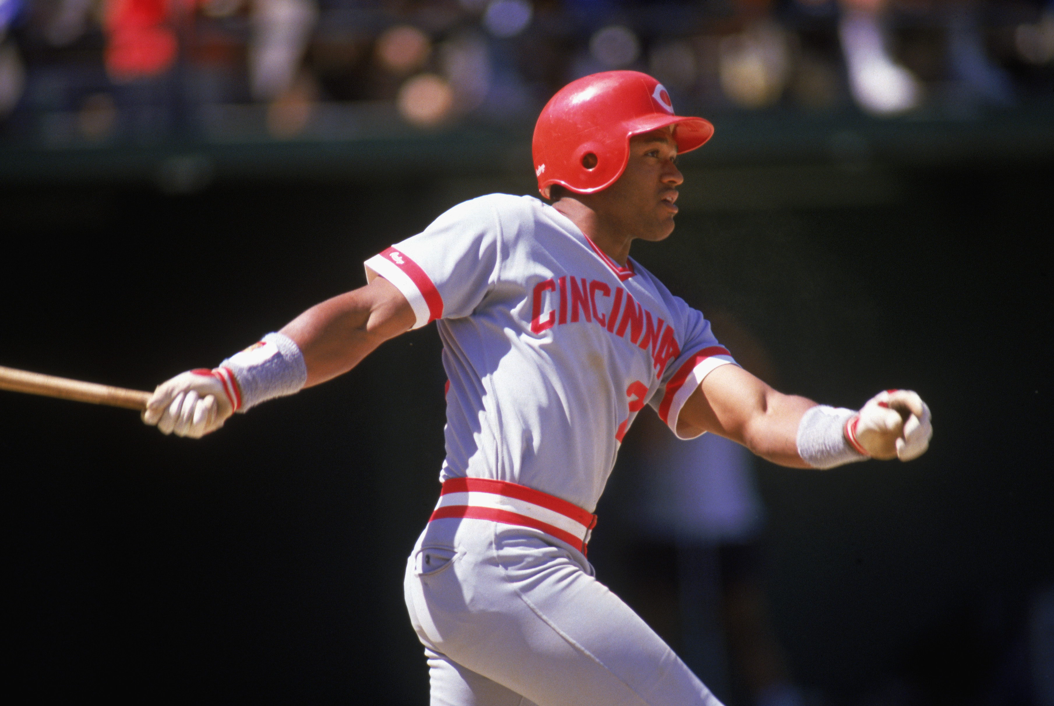 1988:  Nick Esasky of the Cincinnati Reds swings at the pitch during a MLB game in the 1988 season. ( Photo by: Jonathan Daniel/Getty Images)