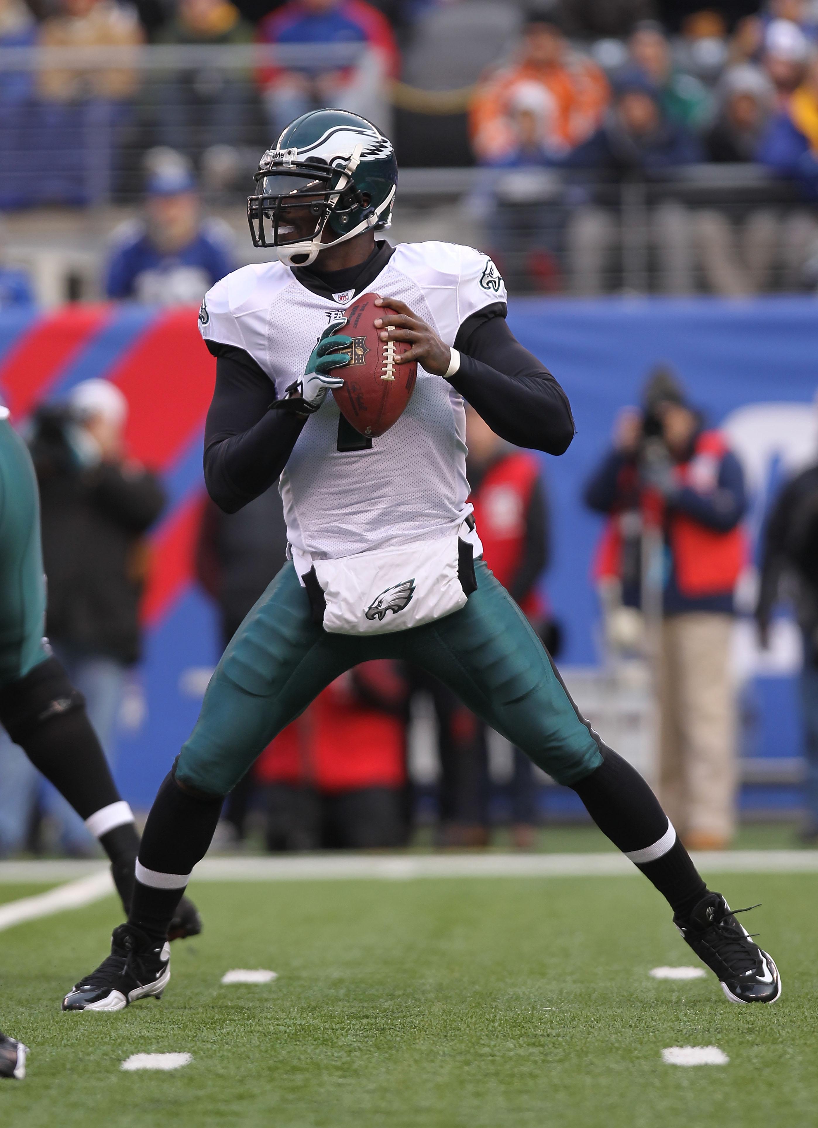 9f53cf38 Michael Vick vs. Tom Brady: 5 Reasons Why The Eagles' Quarterback Can't Be  MVP
