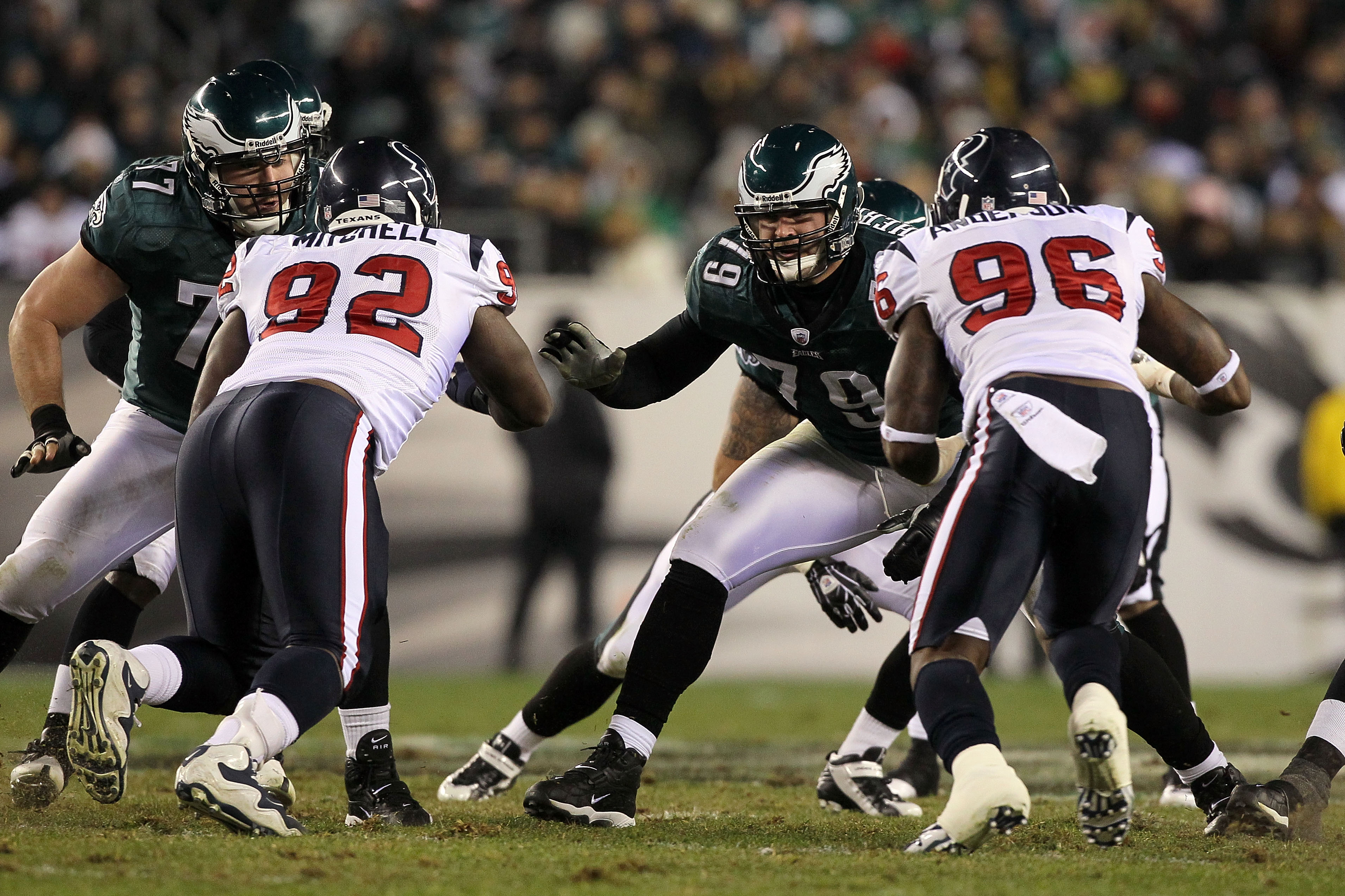 PHILADELPHIA, PA - DECEMBER 02:  Offensive guard Todd Herremans #79 of the Philadelphia Eagles pass blocks against the Houston Texans at Lincoln Financial Field on December 2, 2010 in Philadelphia, Pennsylvania.  (Photo by Jim McIsaac/Getty Images)
