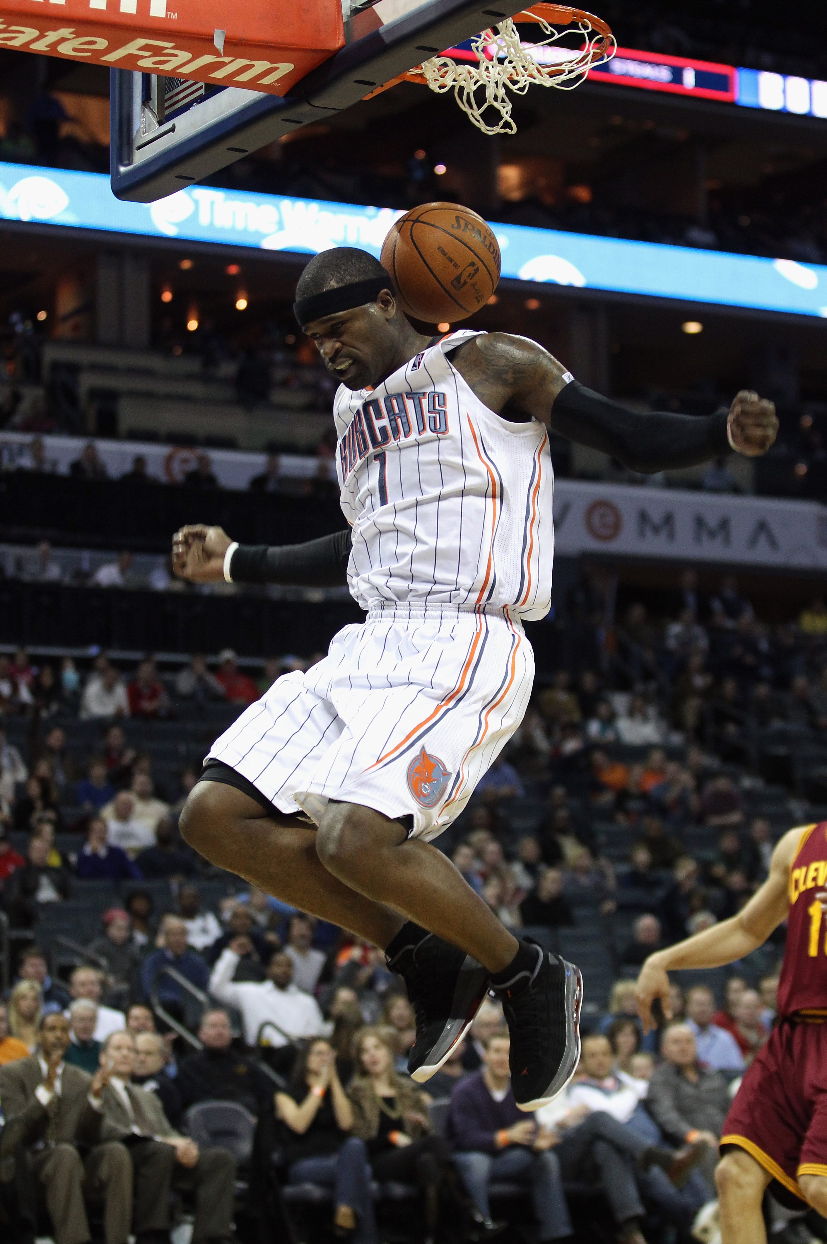 CHARLOTTE, NC - DECEMBER 29:  Stephen Jackson #1 of the Charlotte Bobcats dunks the ball against the Cleveland Cavaliers during their game at Time Warner Cable Arena on December 29, 2010 in Charlotte, North Carolina. NOTE TO USER: User expressly acknowled