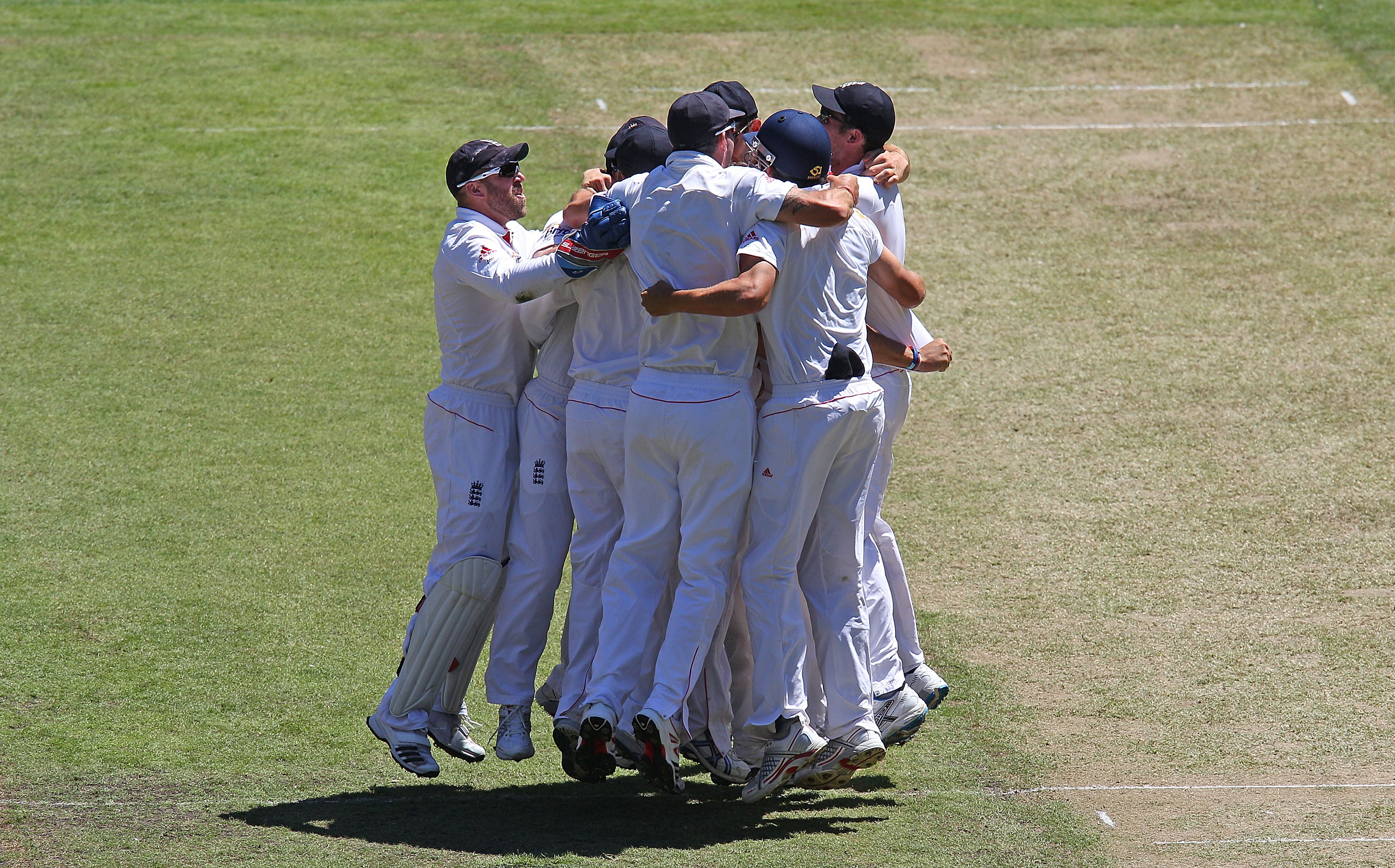 MELBOURNE, AUSTRALIA - DECEMBER 29:  England players celebrate after taking the last wicket to win the match during day four of the Fourth Test match between Australia and England at Melbourne Cricket Ground on December 29, 2010 in Melbourne, Australia.