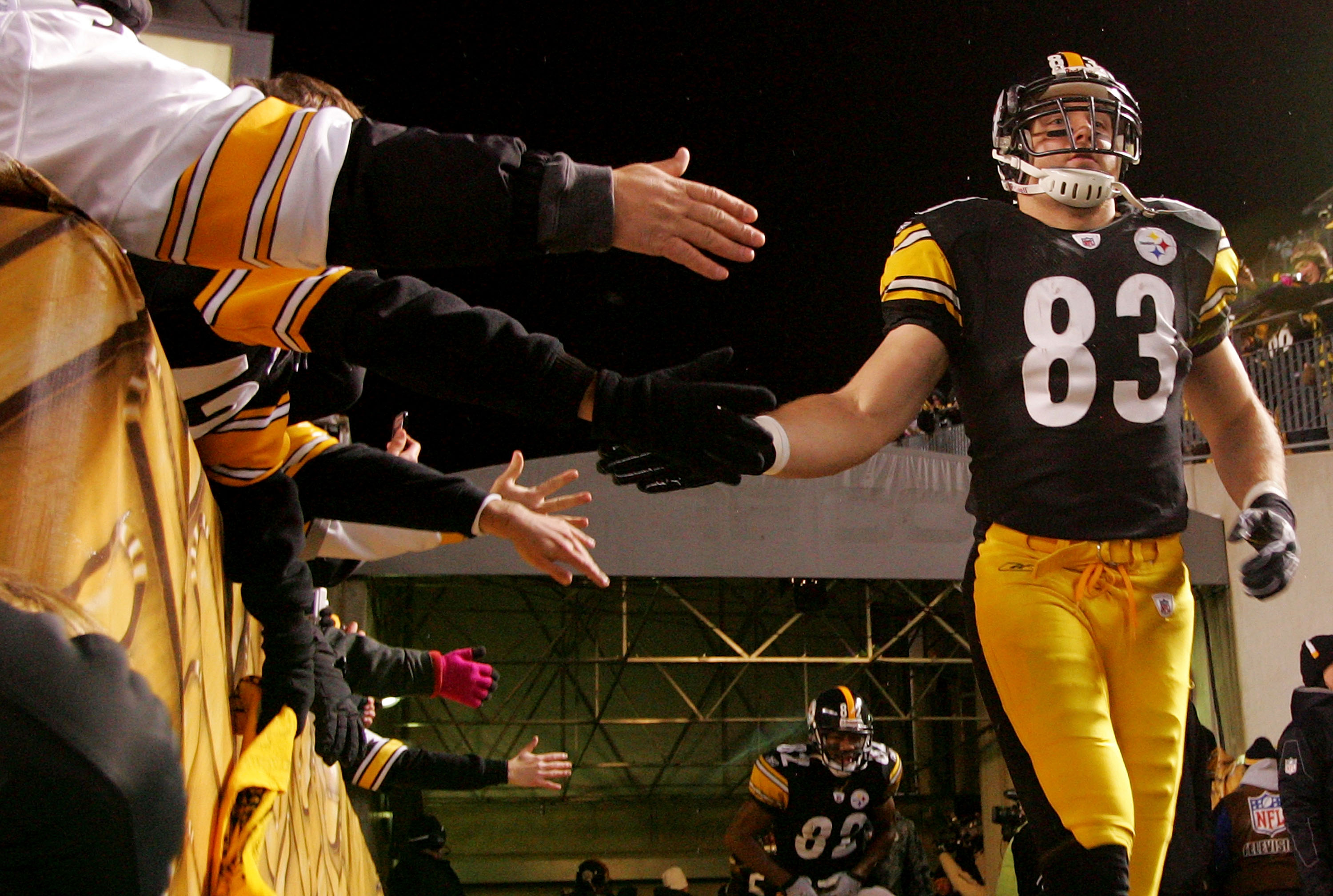 PITTSBURGH - DECEMBER 23:  Heath Miller #83 of the Pittsburgh Steelers greets fans during the start of the game  against the Carolina Panthers on December 23, 2010 at Heinz Field in Pittsburgh, Pennsylvania.  (Photo by Jared Wickerham/Getty Images)