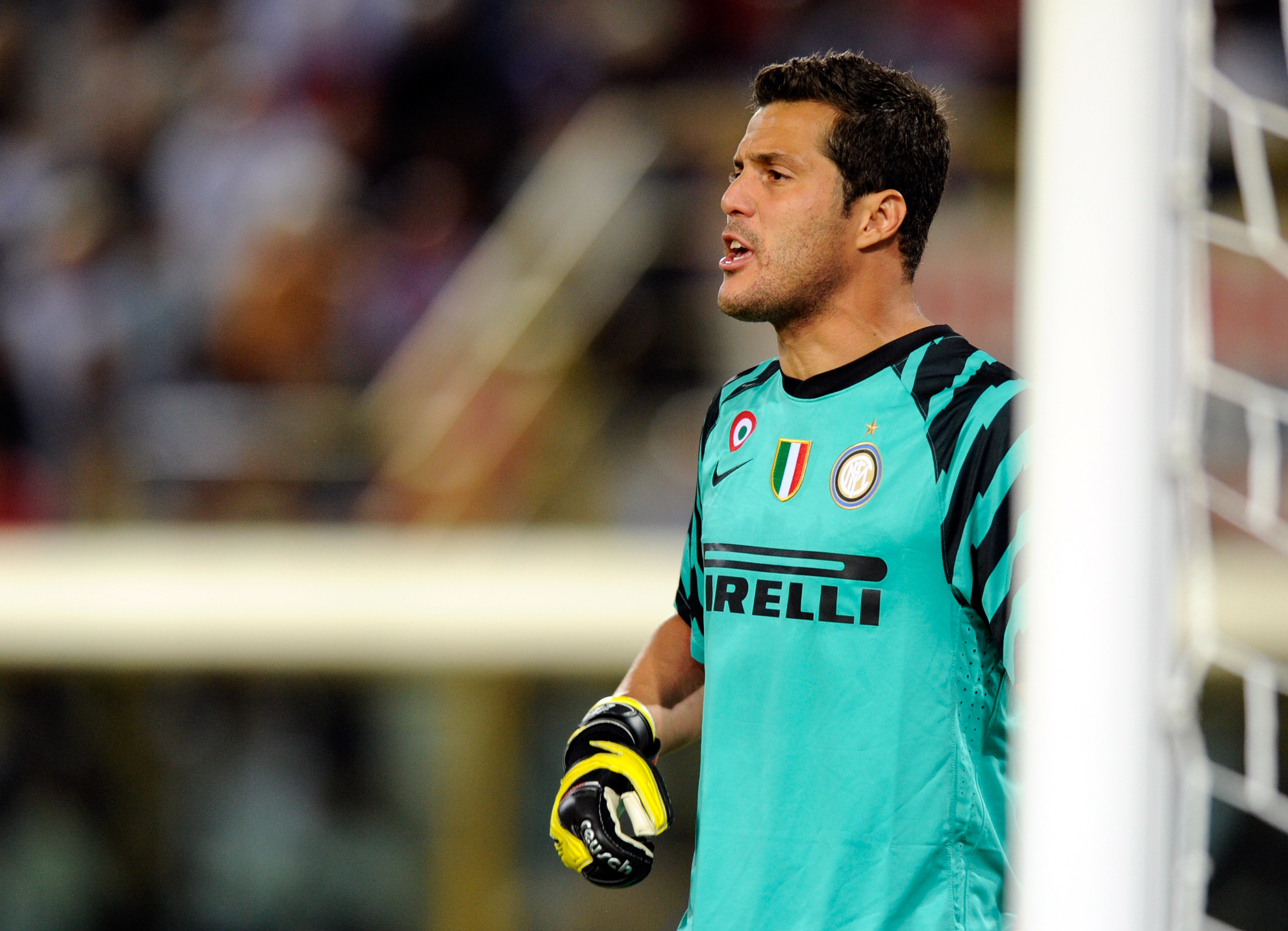 BOLOGNA, ITALY - AUGUST 30:  Julio Cesar of FC Internazionale during the Serie A match between Bologna and Inter at Stadio Renato Dall'Ara on August 30, 2010 in Bologna, Italy.  (Photo by Claudio Villa/Getty Images)