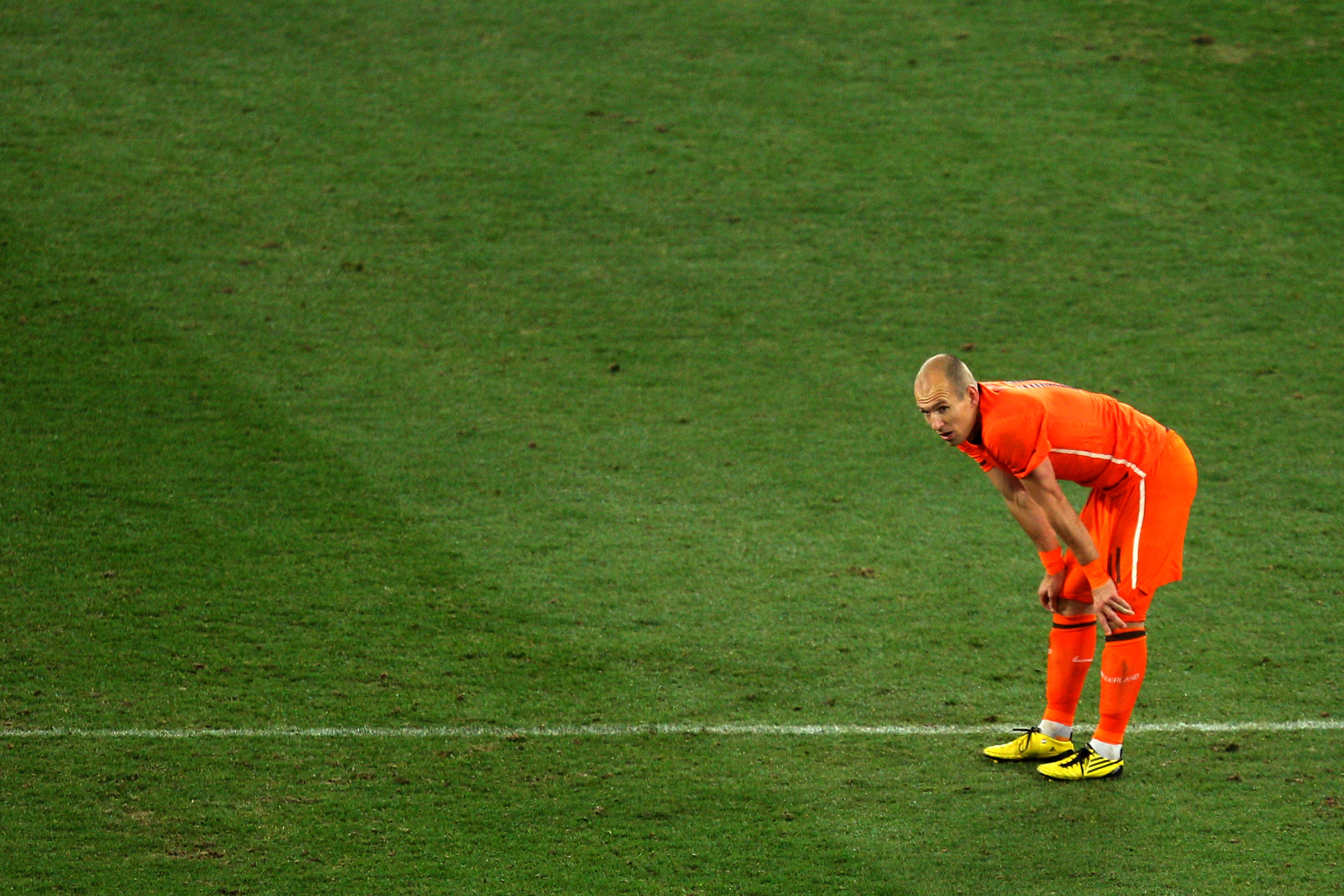 JOHANNESBURG, SOUTH AFRICA - JULY 11:  Dejected Arjen Robben of the Netherlands after defeat during the 2010 FIFA World Cup South Africa Final match between Netherlands and Spain at Soccer City Stadium on July 11, 2010 in Johannesburg, South Africa.  (Pho