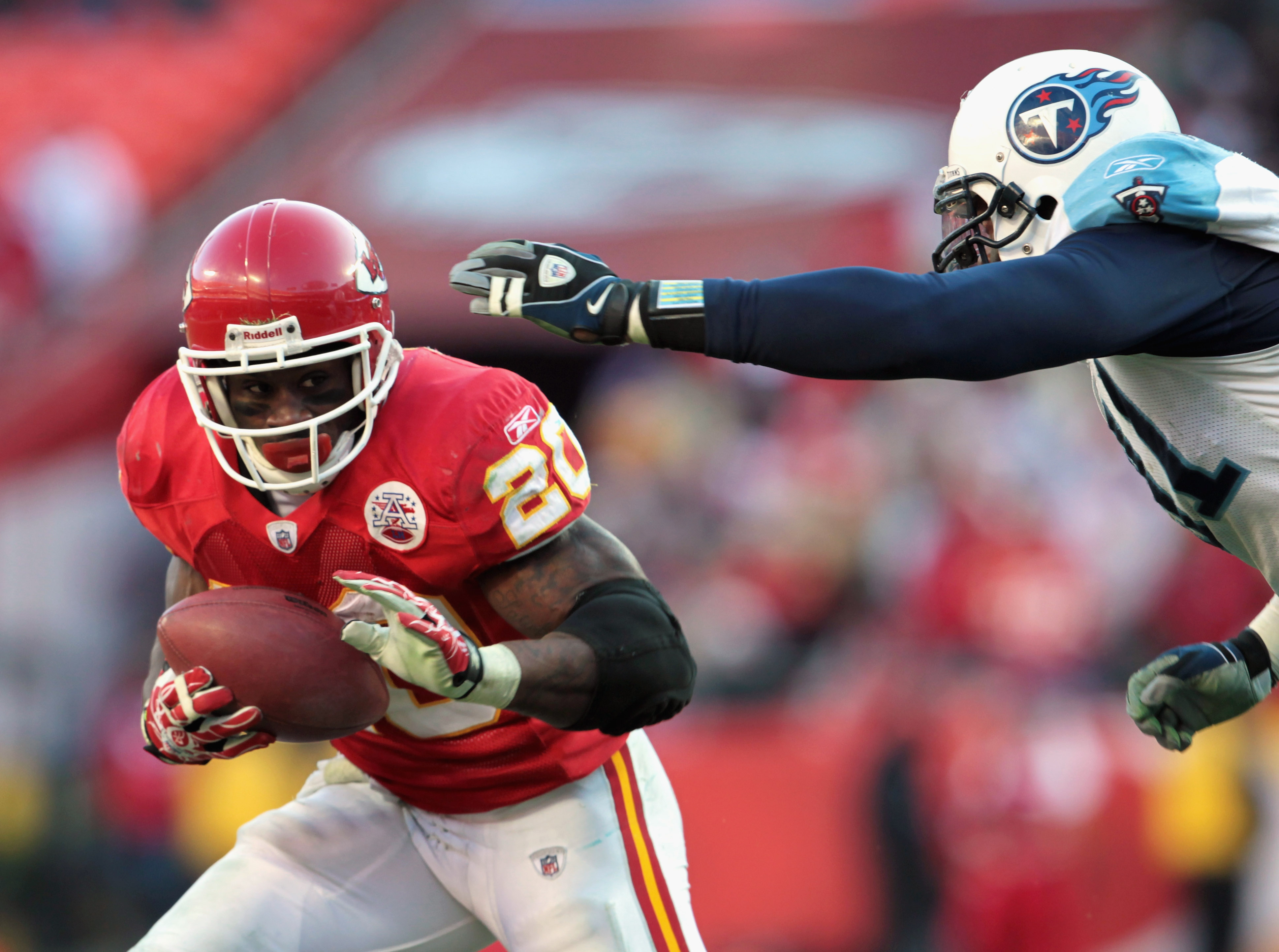 KANSAS CITY, MO - DECEMBER 26:  Thomas Jones #20 of the Kansas City Chiefs carries the ball during the game against the Tennessee Titans on December 26, 2010 at Arrowhead Stadium in Kansas City, Missouri.  (Photo by Jamie Squire/Getty Images)