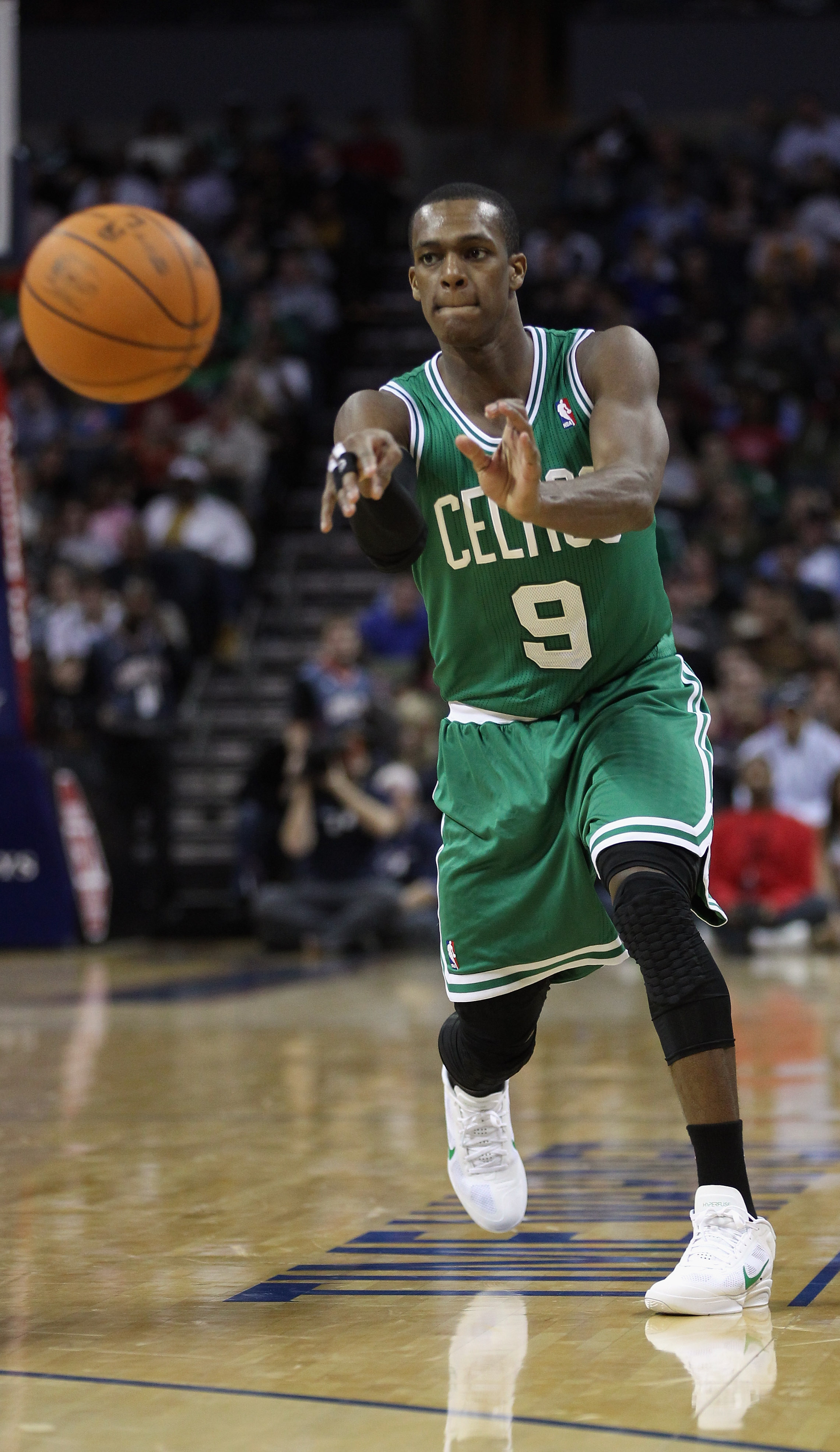 CHARLOTTE, NC - DECEMBER 11:  Rajon Rondo #9 of the Boston Celtics against the Charlotte Bobcats during their game at Time Warner Cable Arena on December 11, 2010 in Charlotte, North Carolina. NOTE TO USER: User expressly acknowledges and agrees that, by