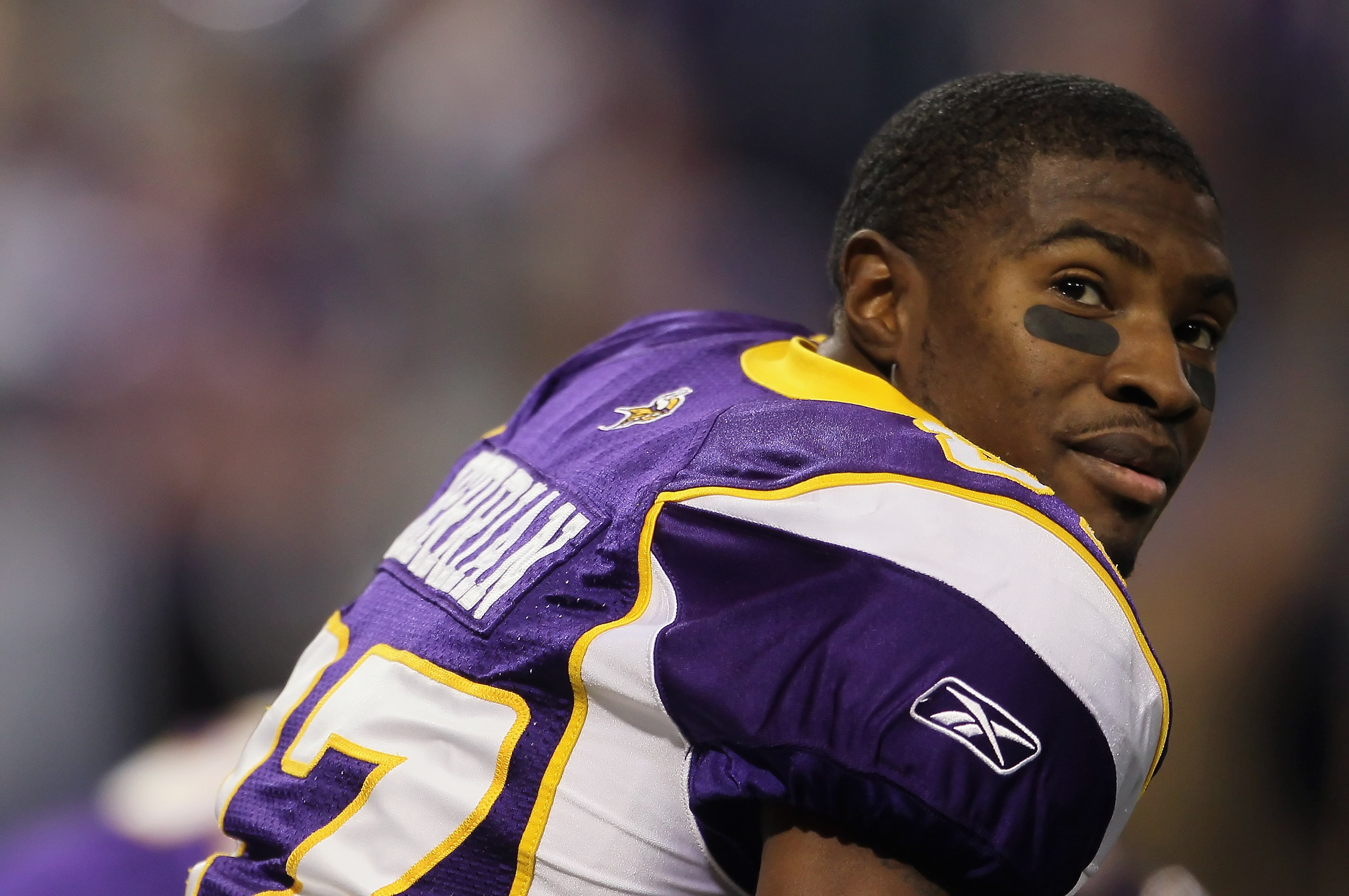 MINNEAPOLIS - SEPTEMBER 26:  Bernard Berrian #87 of the Minnesota Vikings looks on prior to the start of the game against the Detroit Lions at Mall of America Field on September 26, 2010 in Minneapolis, Minnesota.  (Photo by Jeff Gross/Getty Images)
