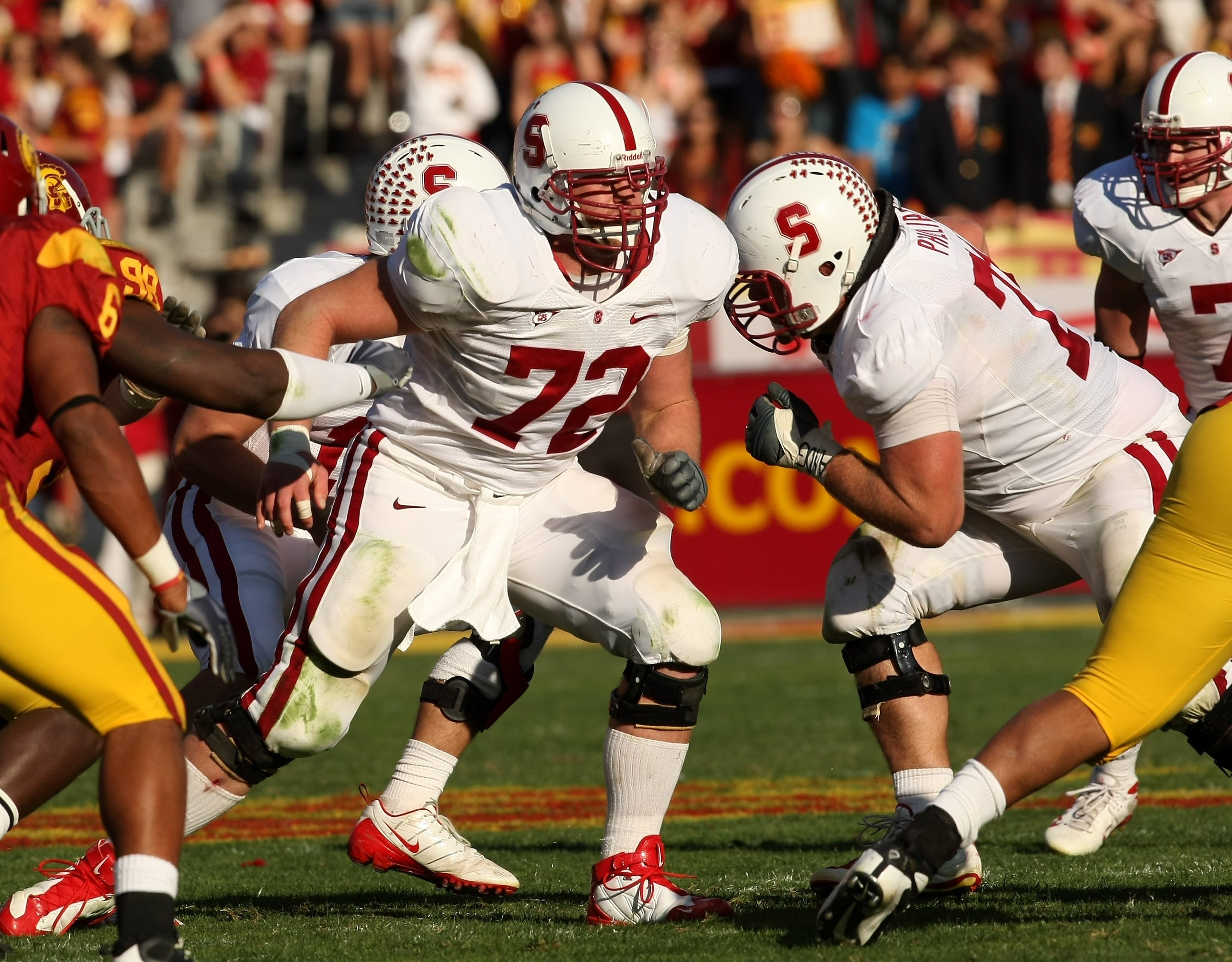 LOS ANGELES - NOVEMBER 14:  Offensive guard Chase Beeler #72 of the Stanford Cardinal blocks against  the USC Trojans on November 14, 2009 at the Los Angeles Coliseum in Los Angeles, California.  Stanford won 55-21.   (Photo by Stephen Dunn/Getty Images)