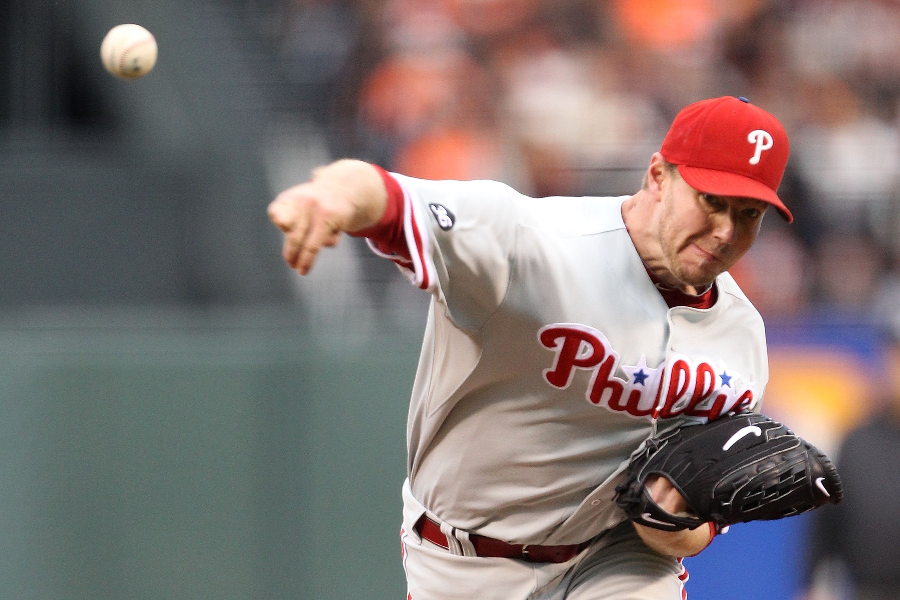 SAN FRANCISCO - OCTOBER 21:  Roy Halladay #34 of the Philadelphia Phillies pitches in the first inning against the San Francisco Giants in Game Five of the NLCS during the 2010 MLB Playoffs at AT&T Park on October 21, 2010 in San Francisco, California.  (