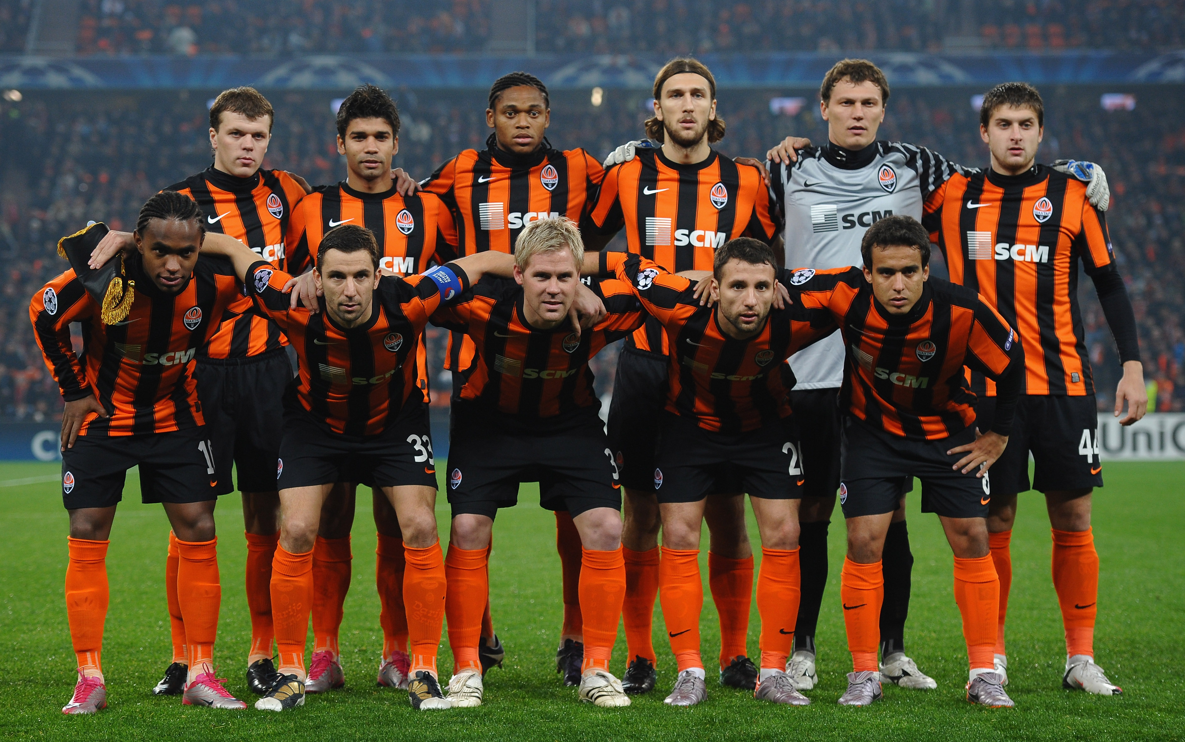 DONETSK, UKRAINE - NOVEMBER 03:  FC Shakhtar Donetsk line up during the Champions League Group H match between FC Shakhtar Donetsk and Arsenal at the Donbass Arena on November 3, 2010 in Donetsk, Ukraine.  (Photo by Laurence Griffiths/Getty Images)