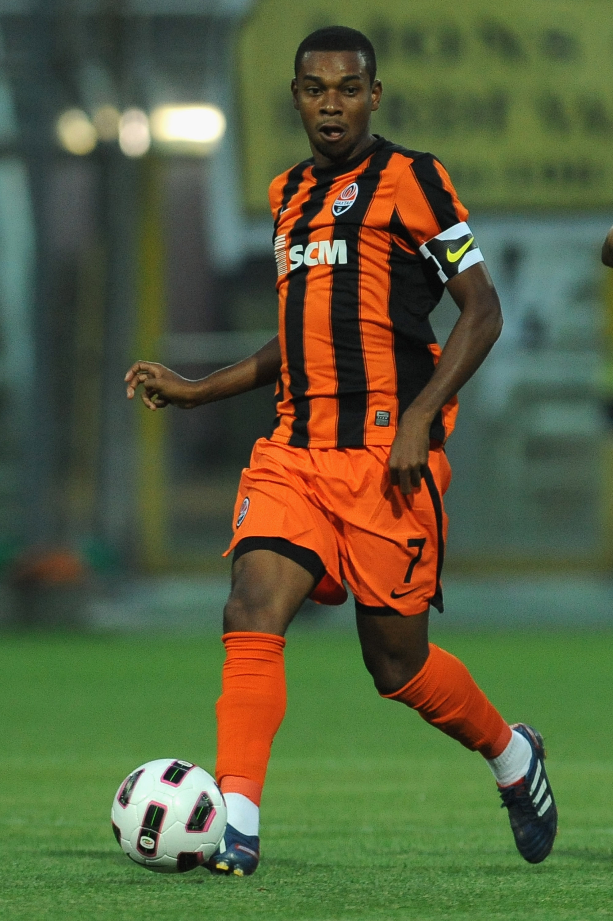 PARMA, ITALY - AUGUST 10:  Fernandinho of Shakhtar Donetsk in action during preseason frienldy match between Parma FC and Shakhtar Donetsk at Ennio Tardini Stadium on August 10, 2010 in Parma, Italy.  (Photo by Valerio Pennicino/Getty Images)