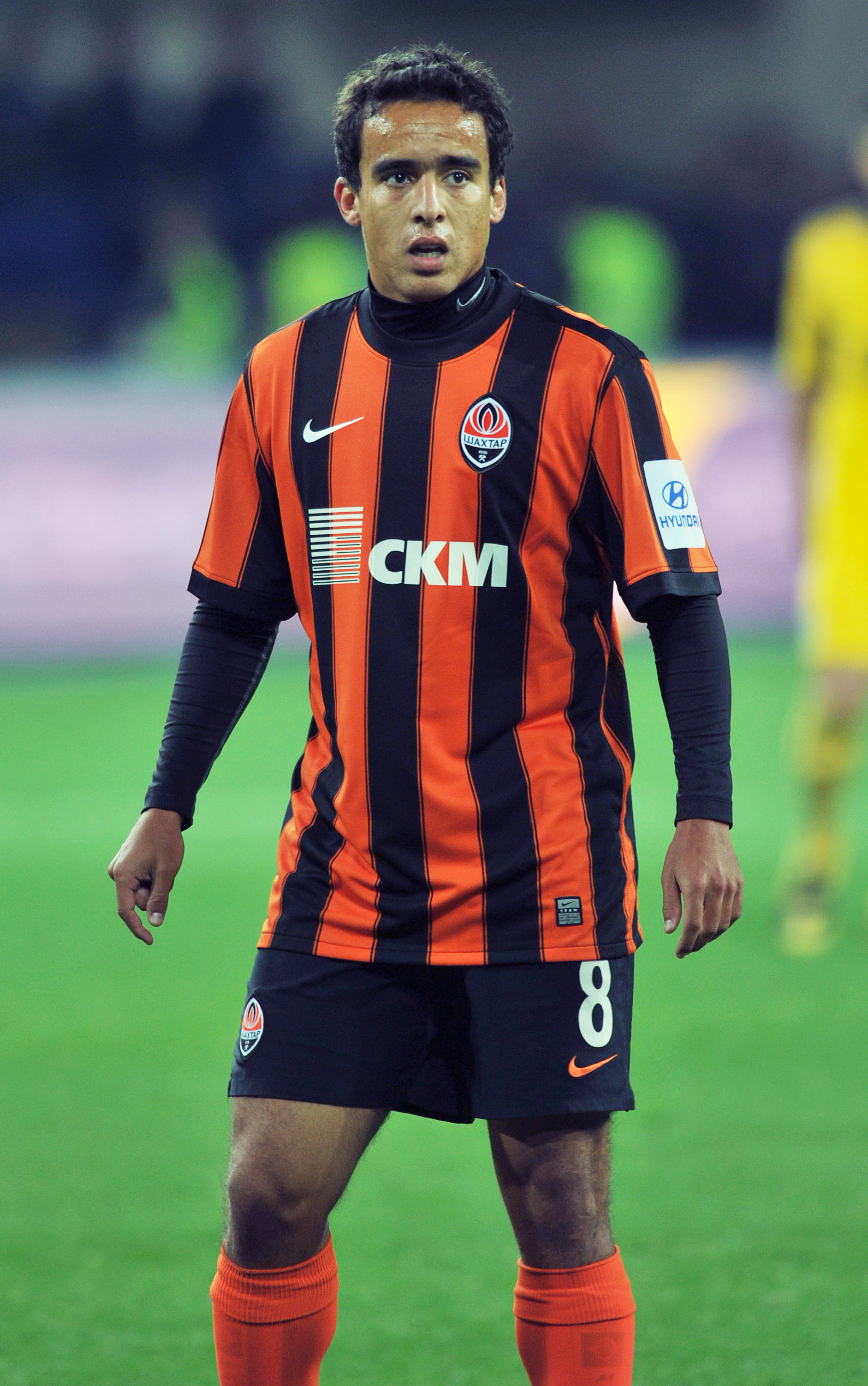 KHARKIV, UKRAINE - SEPTEMBER 25:  Jadson of Shakhtar Donetsk in action during the Russian Premier League match between Metalist Kharkiv and Shakhtar Donetsk at the Metalist Stadium  on September 25, 2010 in Kharkiv, Ukraine.   (Photo by EuroFootball/Getty