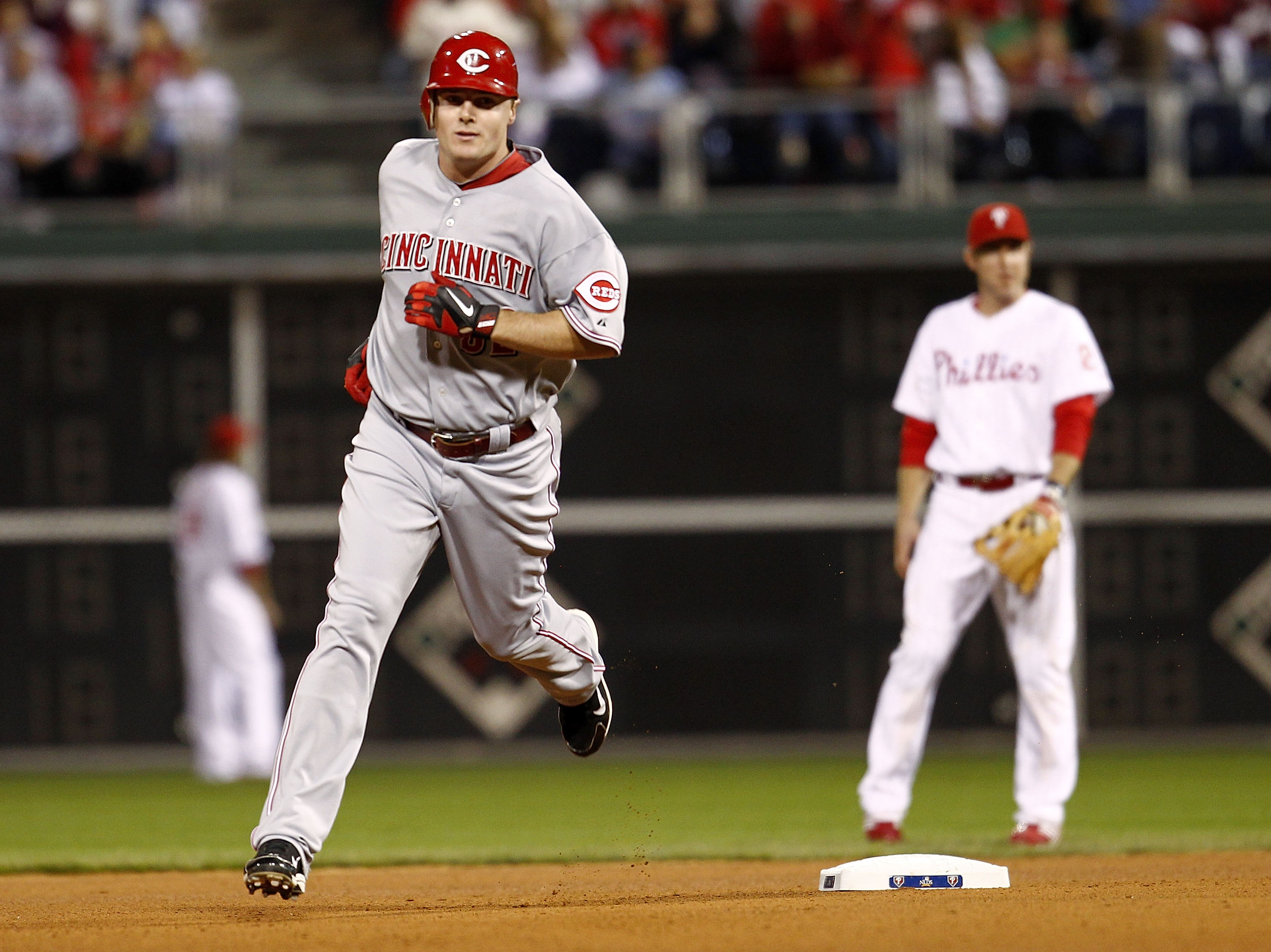 PHILADELPHIA - OCTOBER 08:  Jay Bruce #32 of the Cincinnati Reds rounds the bases on a solo home run in Game 2 of the NLDS against the Philadelphia Phillies at Citizens Bank Park on October 8, 2010 in Philadelphia, Pennsylvania.  (Photo by Jeff Zelevansky