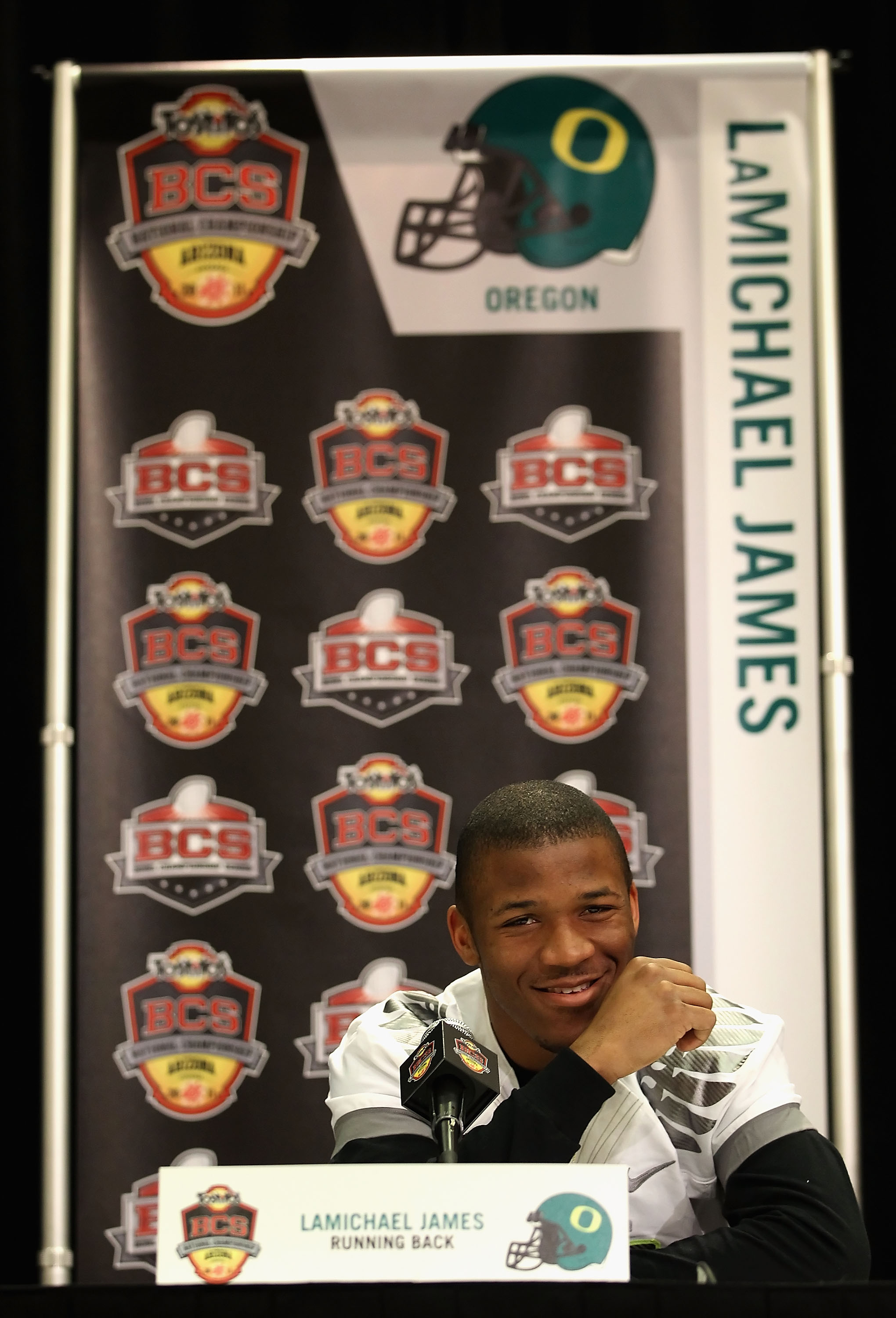 SCOTTSDALE, AZ - JANUARY 07:  Runningback LaMichael James #21 of the Oregon Ducks speaks during Media Day for the Tostitos BCS National Championship Game at the JW Marriott Camelback Inn on January 7, 2011 in Scottsdale, Arizona.  (Photo by Christian Pete
