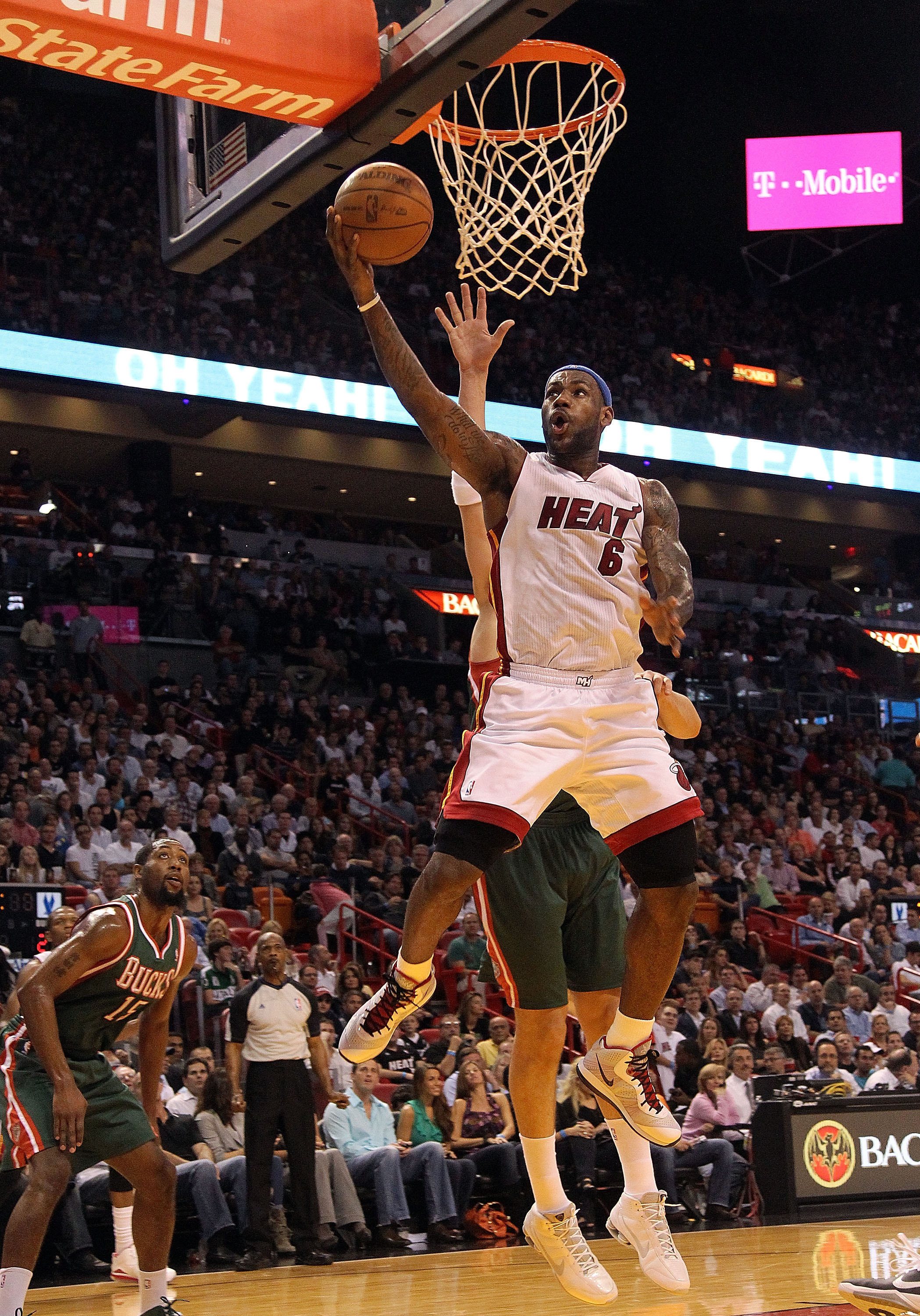 MIAMI, FL - JANUARY 04:  LeBron James #6 of the Miami Heat drives to the rim during a game against the Milwaukee Bucks at American Airlines Arena on January 4, 2011 in Miami, Florida. NOTE TO USER: User expressly acknowledges and agrees that, by downloadi