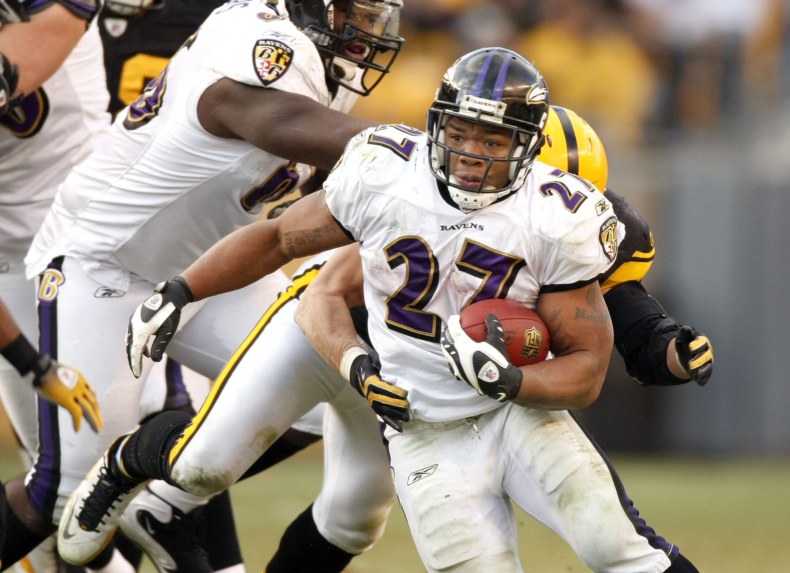 PITTSBURGH - DECEMBER 27:  Ray Rice #27 of the Baltimore Ravens looks for yards during a third quarter run against the Pittsburgh Steelers on December 27, 2009 at Heinz Field in Pittsburgh, Pennsylvania. Pittsburgh won the game 23-20.  (Photo by Gregory S