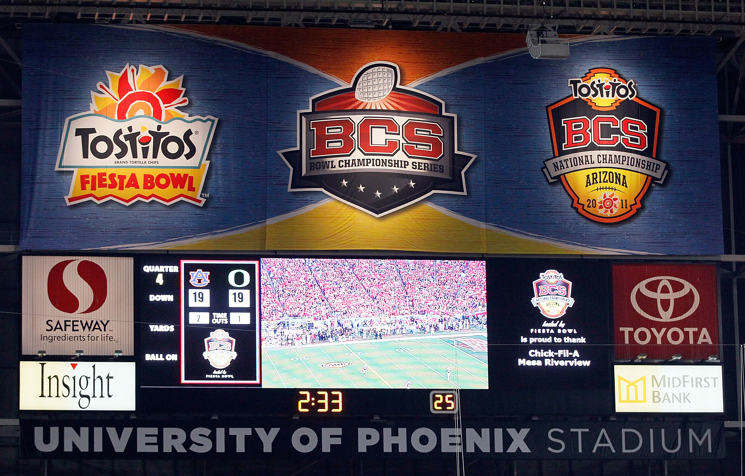 GLENDALE, AZ - JANUARY 10:  A general view of the scoreboard during the Tostitos BCS National Championship Game between the Oregon Ducks and the Auburn Tigers at University of Phoenix Stadium on January 10, 2011 in Glendale, Arizona.  (Photo by Kevin C. C