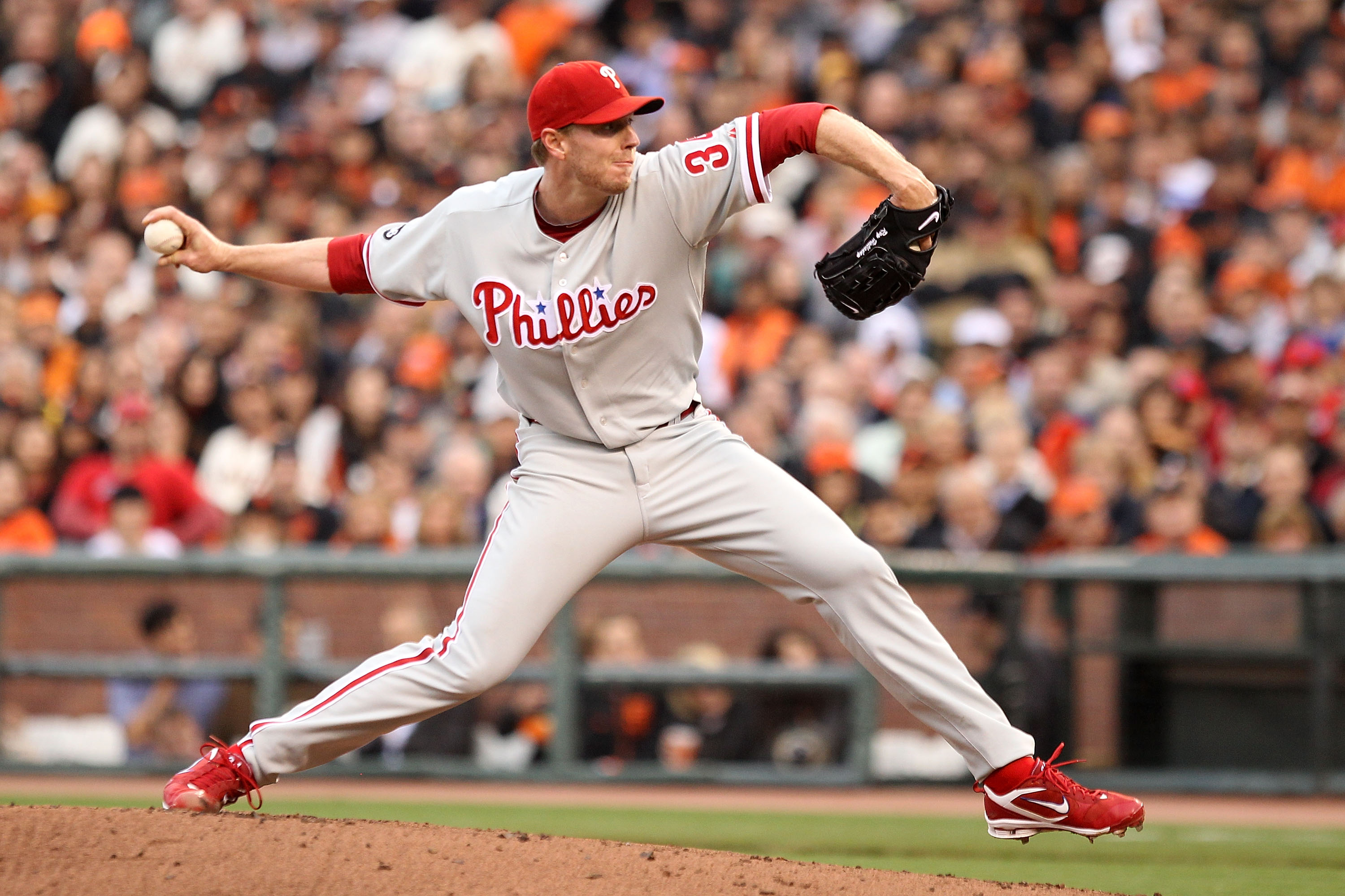 SAN FRANCISCO - OCTOBER 21:  Roy Halladay #34 of the Philadelphia Phillies throws a pitch against the San Francisco Giants in Game Five of the NLCS during the 2010 MLB Playoffs at AT&T Park on October 21, 2010 in San Francisco, California.  (Photo by Ezra