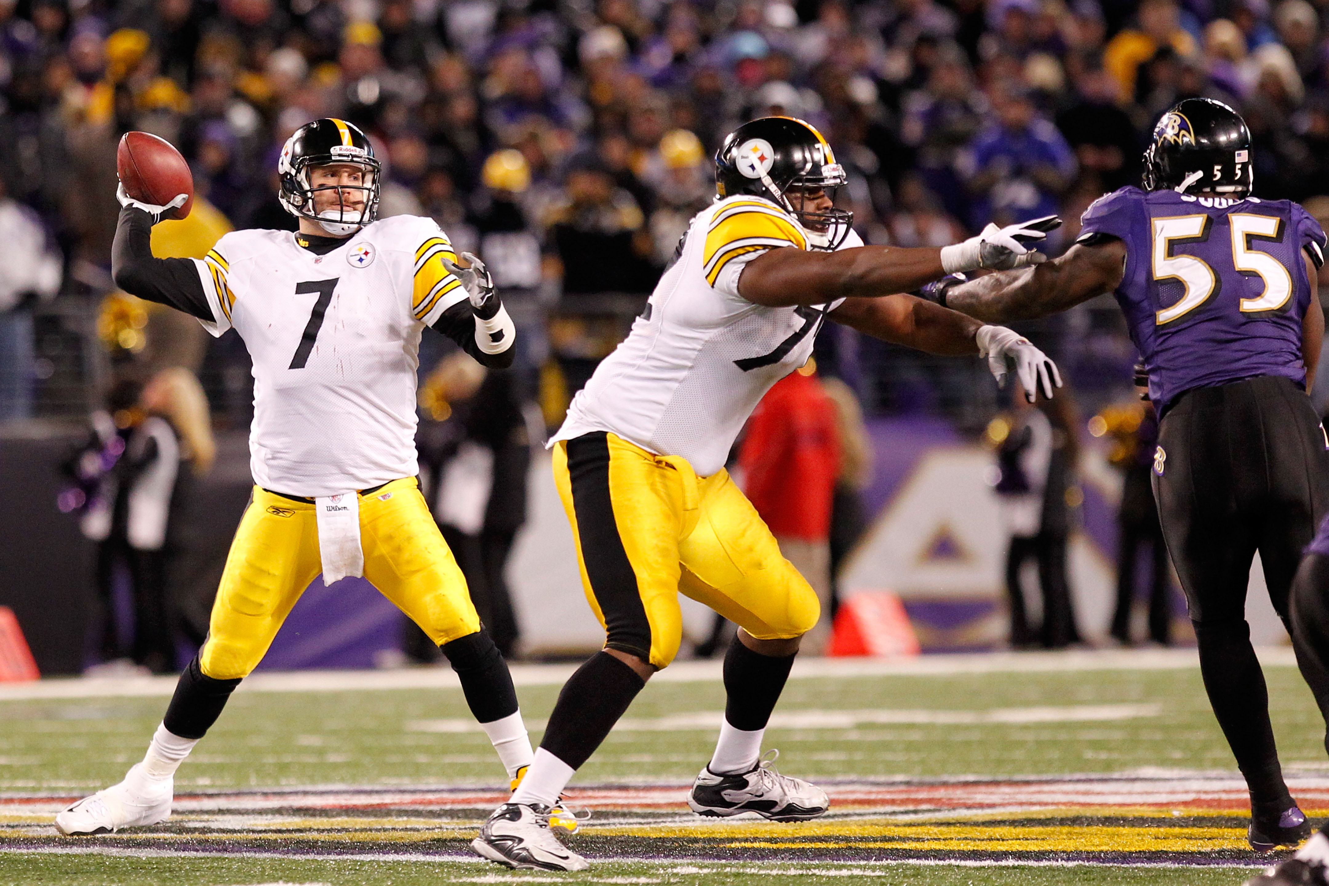 BALTIMORE, MD - DECEMBER 05:  Quarterback Ben Roethlisberger #7 of the Pittsburgh Steelers looks to pass against the Baltimore Ravens during the third quarter of the game at M&T Bank Stadium on December 5, 2010 in Baltimore, Maryland.  (Photo by Geoff Bur
