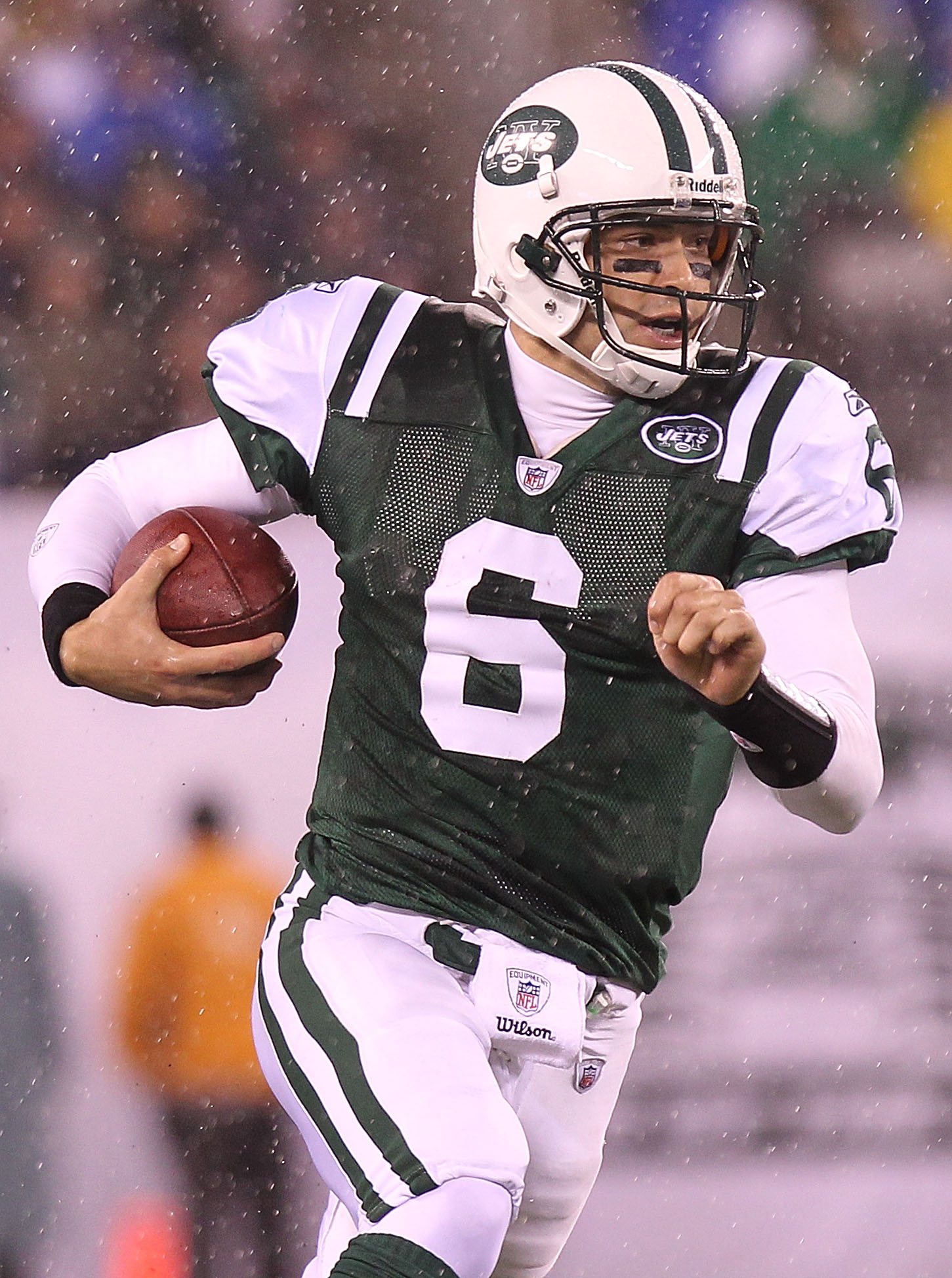 EAST RUTHERFORD, NJ - DECEMBER 12:  Mark Sanchez #6 of the New York Jets against the Miami Dolphins at New Meadowlands Stadium on December 12, 2010 in East Rutherford, New Jersey.  (Photo by Nick Laham/Getty Images)