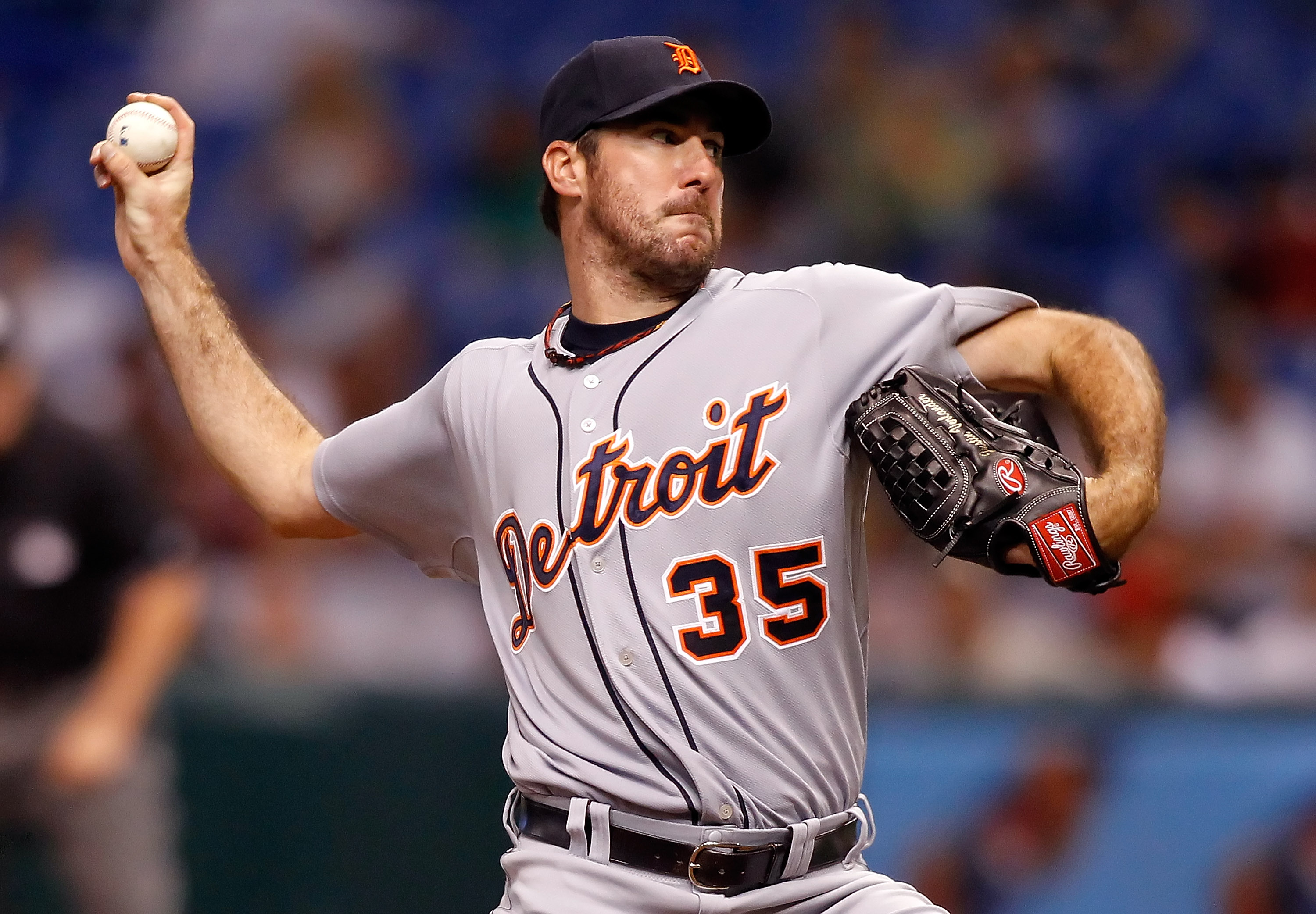 ST. PETERSBURG - JULY 27:  Pitcher Justin Verlander #35 of the Detroit Tigers pitches against the Tampa Bay Rays during the game at Tropicana Field on July 27, 2010 in St. Petersburg, Florida.  (Photo by J. Meric/Getty Images)