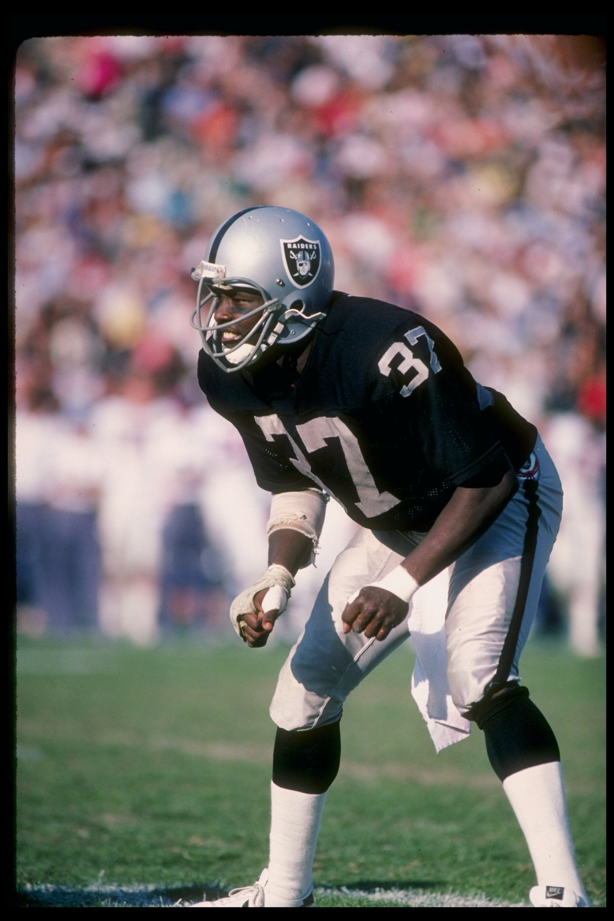 Oct 1984:  Defensive back Lester Hayes of the Los Angeles Raiders in action during a game at the Los Angeles Memorial Coliseum in Los Angeles, California. Mandatory Credit: Ron Haase  /Allsport