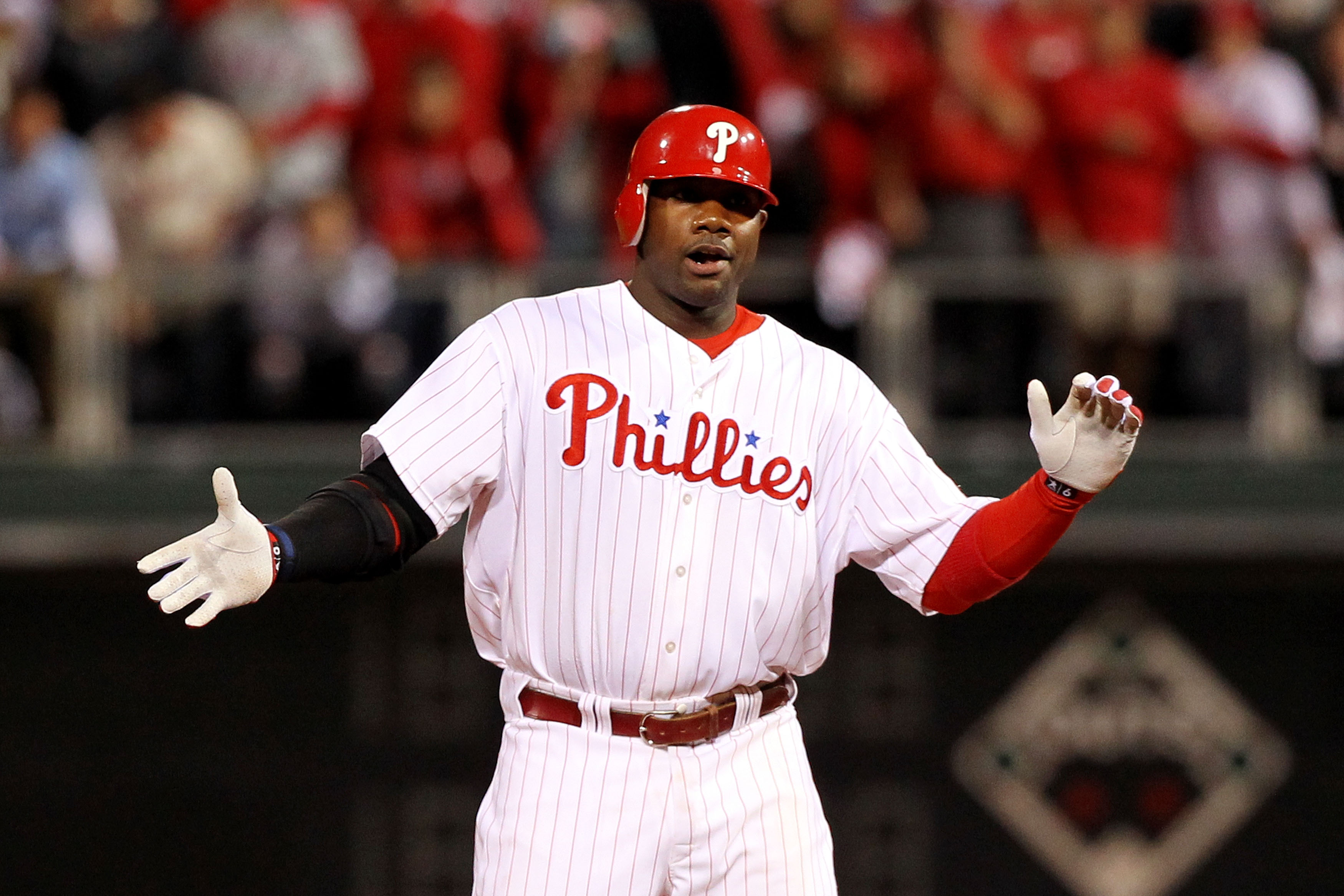 PHILADELPHIA - OCTOBER 23:  Ryan Howard #6 of the Philadelphia Phillies reacts after a double in fifth inning against the San Francisco Giants in Game Six of the NLCS during the 2010 MLB Playoffs at Citizens Bank Park on October 23, 2010 in Philadelphia,
