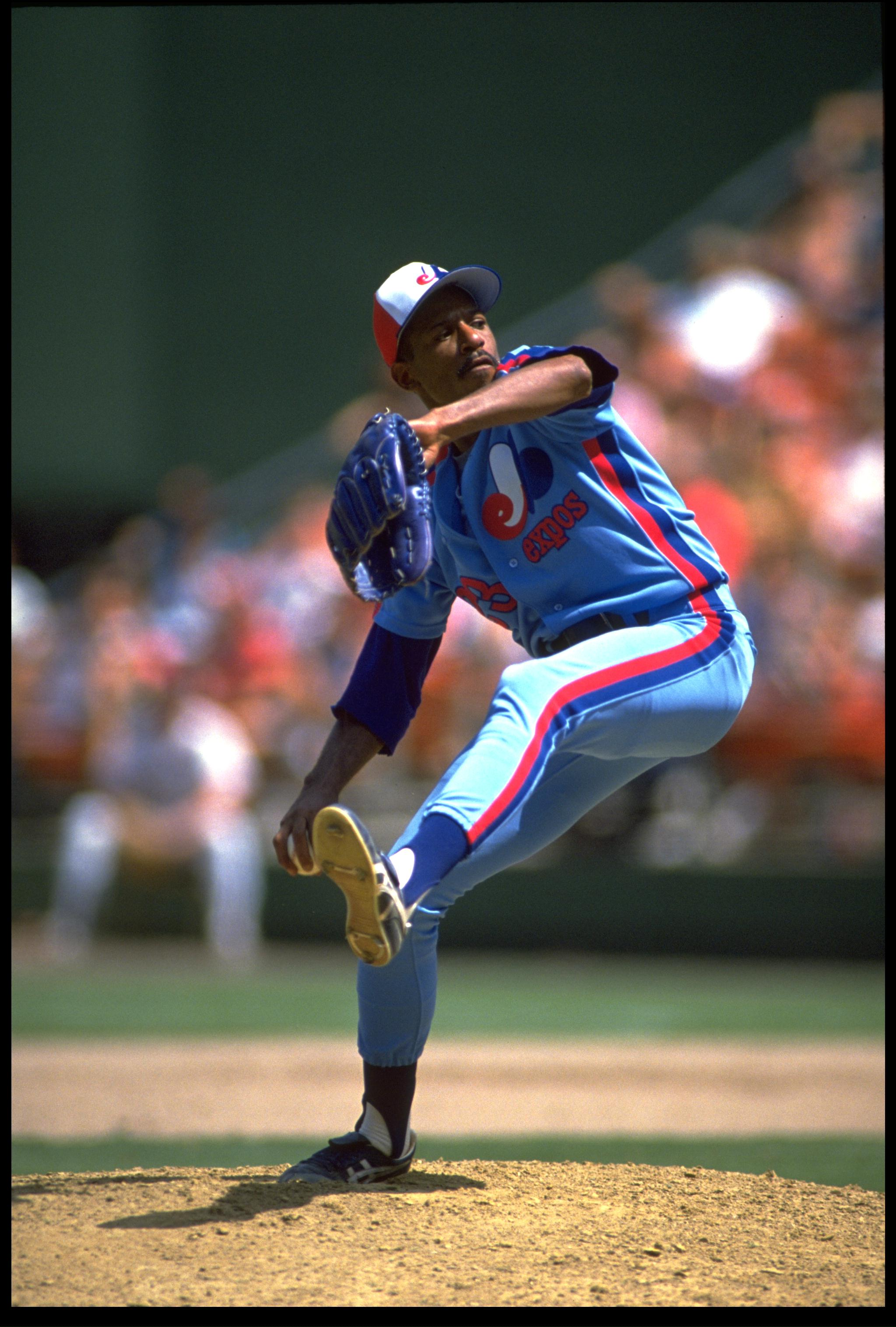 1990:  MONTREAL EXPOS PITCHER OIL CAN BOYD WINDS UP TO PITCH DURING THE EXPOS VERSUS SAN DIEGO PADRES GAME AT JACK MURPHY STADIUM IN SAN DIEGO, CALIFORNIA.  MANDATORY CREDIT:  STEPHEN DUNN/ALLSPORT