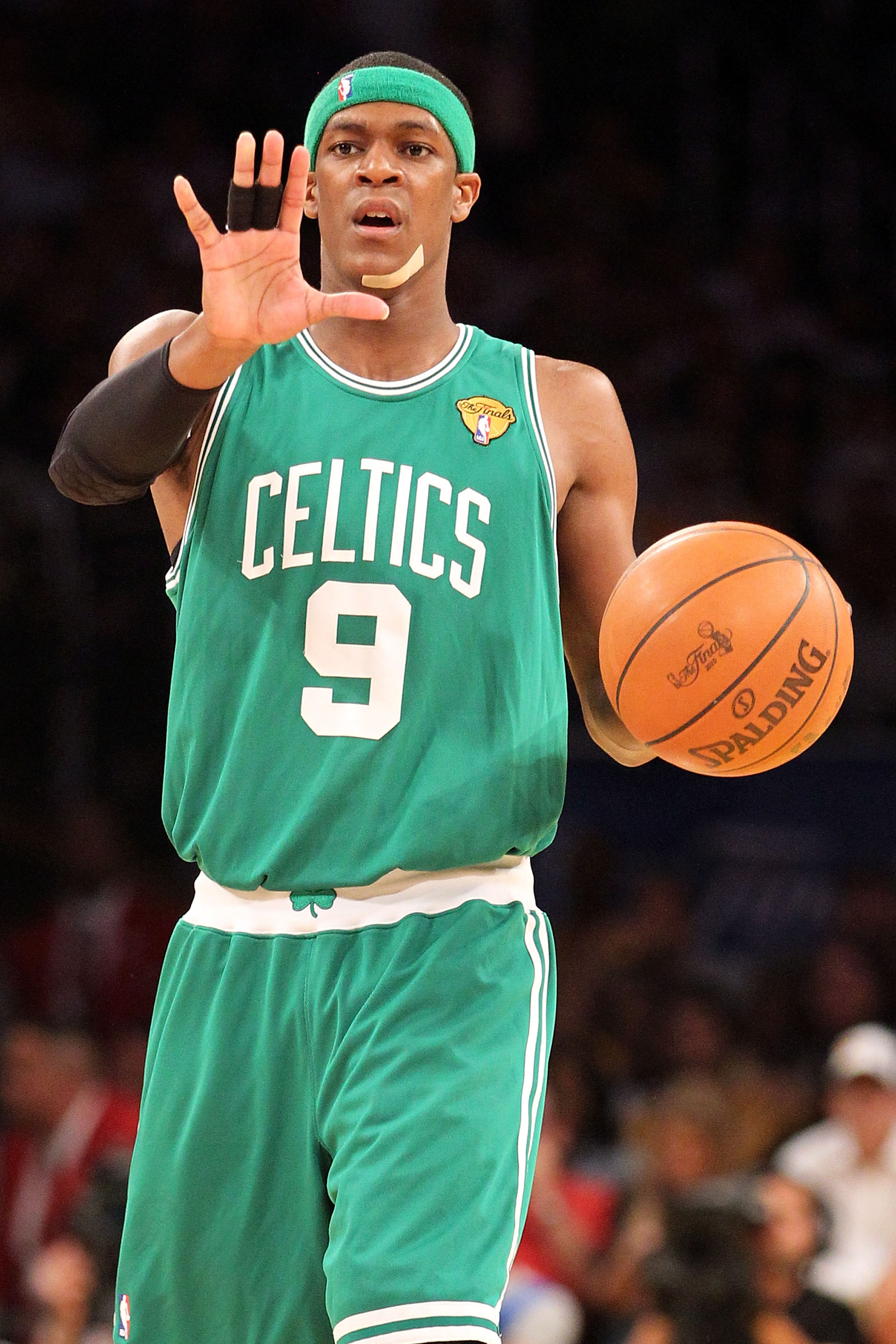 LOS ANGELES, CA - JUNE 17:  Rajon Rondo #9 of the Boston Celtics calls a play in the third quarter against the Los Angeles Lakers in Game Seven of the 2010 NBA Finals at Staples Center on June 17, 2010 in Los Angeles, California.  NOTE TO USER: User expre