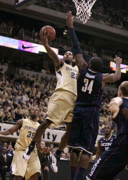 PITTSBURGH, PA - DECEMBER 27:  Brad Wanamaker #22 of the Pittsburgh Panthers lays one in against the Connecticut Huskies at Petersen Events Center on December 27, 2010 in Pittsburgh, Pennsylvania.  Pittsburgh defeated Connecticut 78-64.  (Photo by Justin