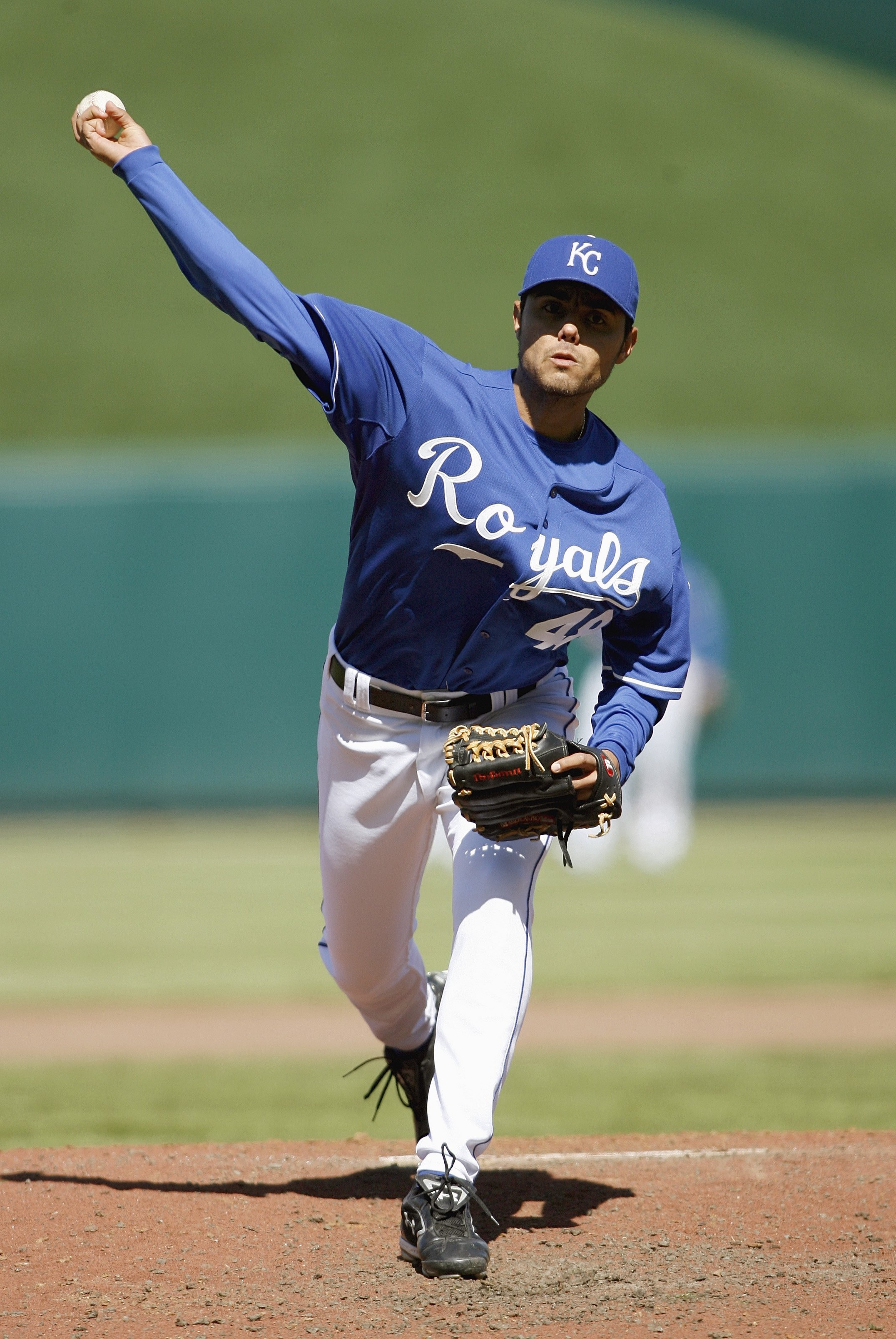 KANSAS CITY, MO - APRIL 8: Joakim Soria #48 of the Kansas City Royals delivers the pitch during the game against the Detroit Tigers at Kauffman Stadium April 8, 2007 in Kansas City, Missouri. (Photo by G. Newman Lowrance/Getty Images)