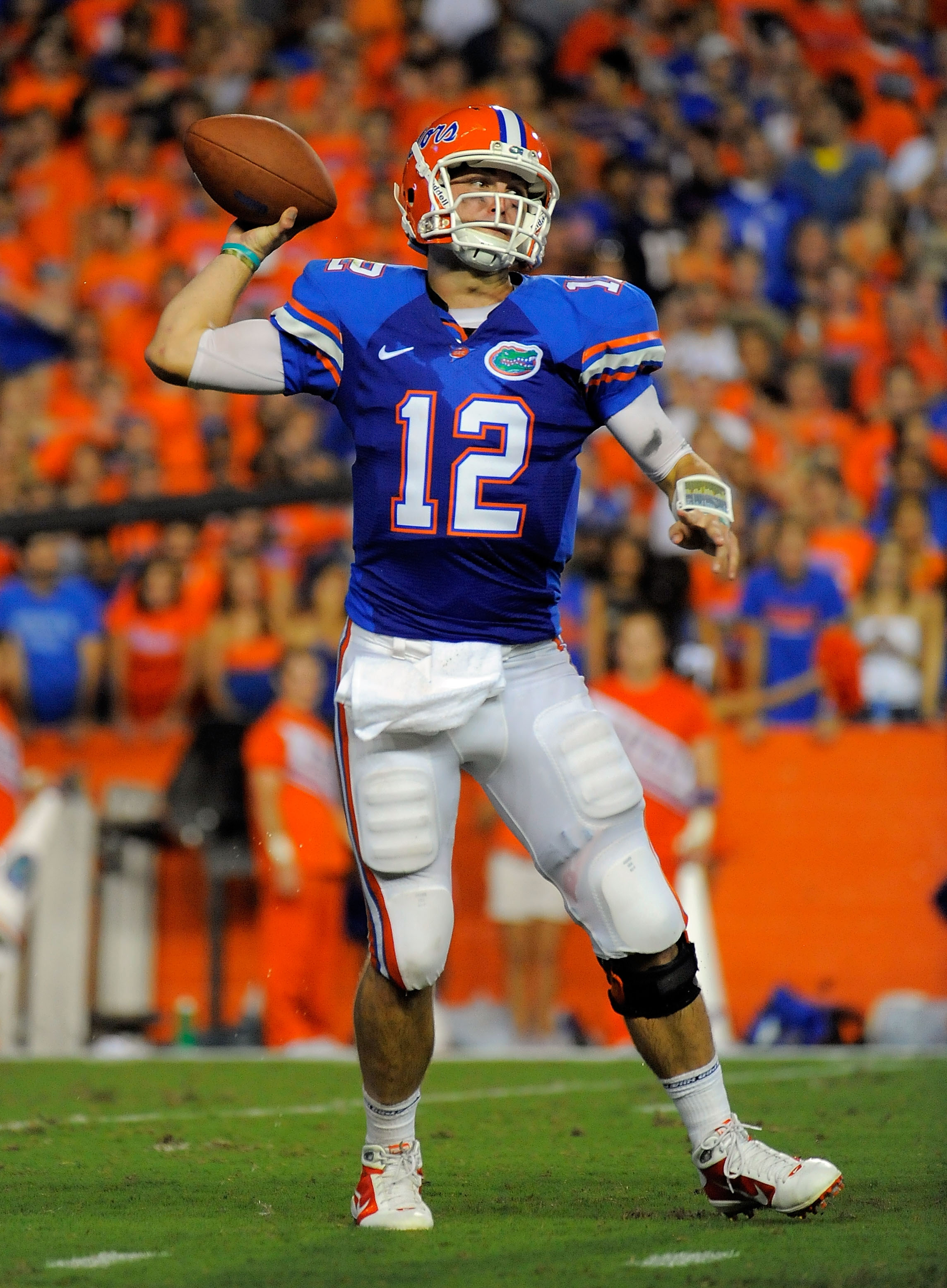 GAINESVILLE, FL - SEPTEMBER 25:  Quarterback John Brantley #12 of the Florida Gators throws a pass against the Kentucky Wildcats at Ben Hill Griffin Stadium on September 25, 2010 in Gainesville, Florida.  (Photo by Doug Benc/Getty Images)