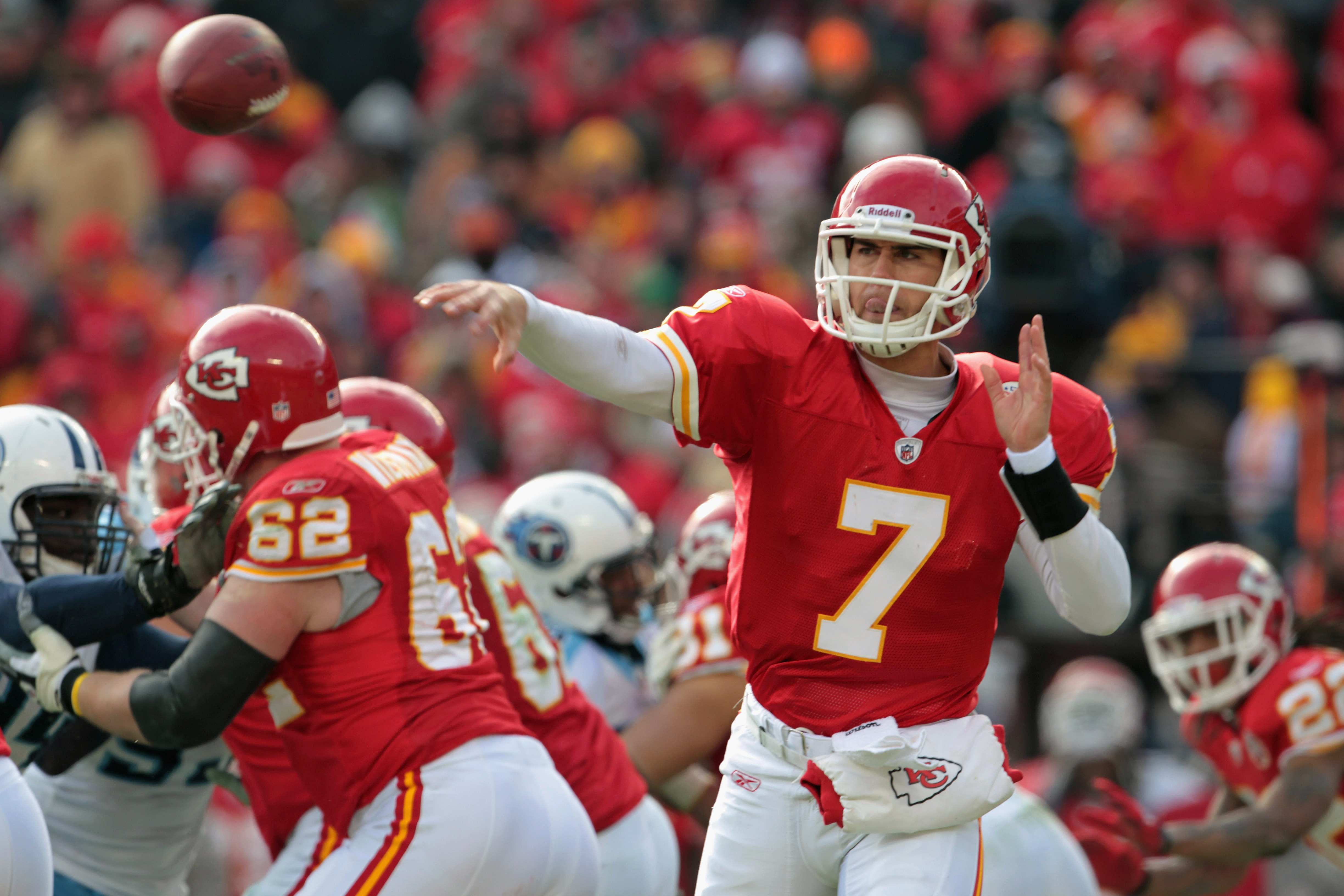 KANSAS CITY, MO - DECEMBER 26:  Quarterback Matt Cassel #7 of the Kansas City Chiefs passes during the game against the Tennessee Titans on December 26, 2010 at Arrowhead Stadium in Kansas City, Missouri.  (Photo by Jamie Squire/Getty Images)