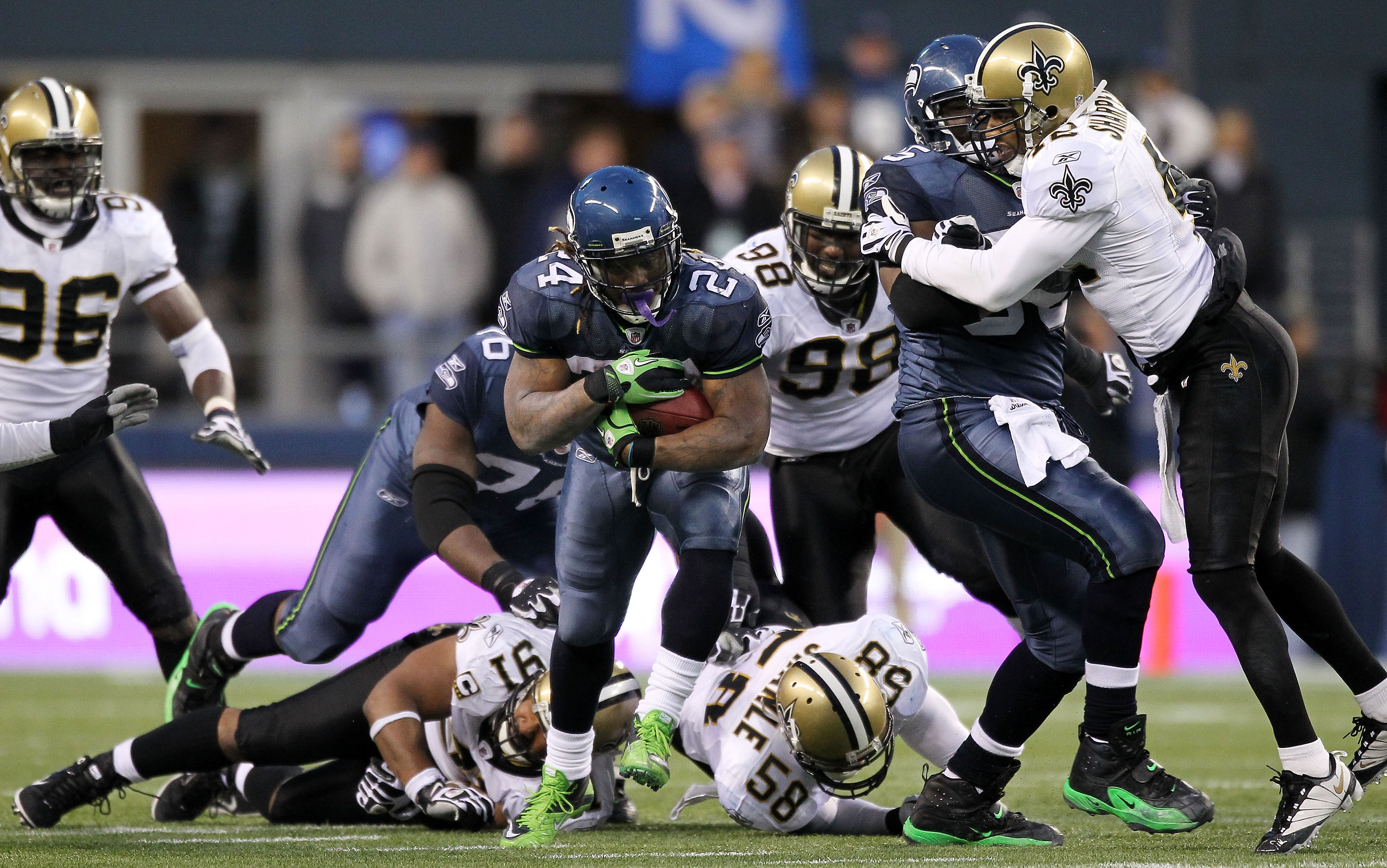 Seattle's Marshawn Lynch effectively ended New Orleans' season with this tackle-smashing 67-yard TD run.