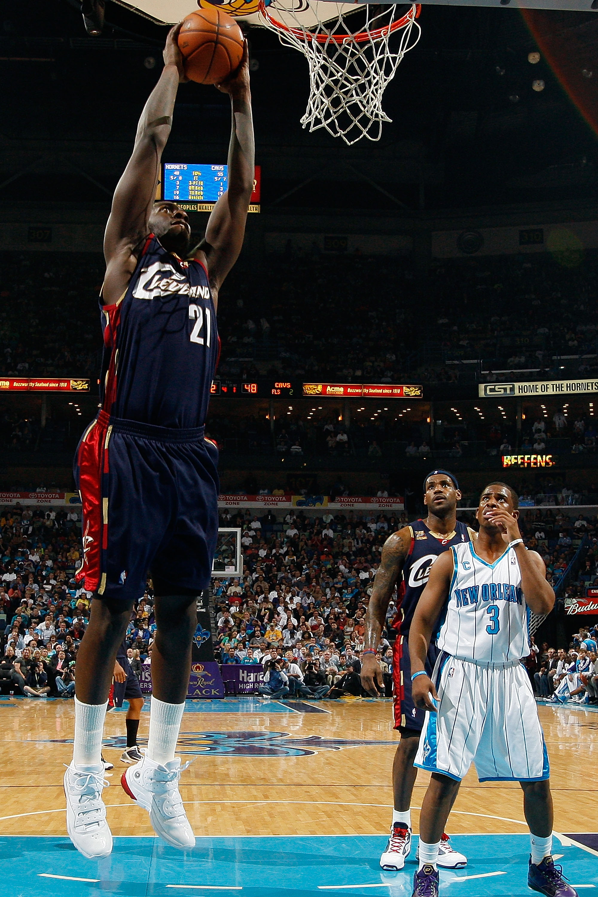 NEW ORLEANS - MARCH 24:  J.J. Hickson #21 of the Cleveland Cavaliers dunks the ball against the New Orleans Hornets at the New Orleans Arena on March 24, 2010 in New Orleans, Louisiana.  The Cavaliers defeated the Hornets 105-92.  NOTE TO USER: User expre