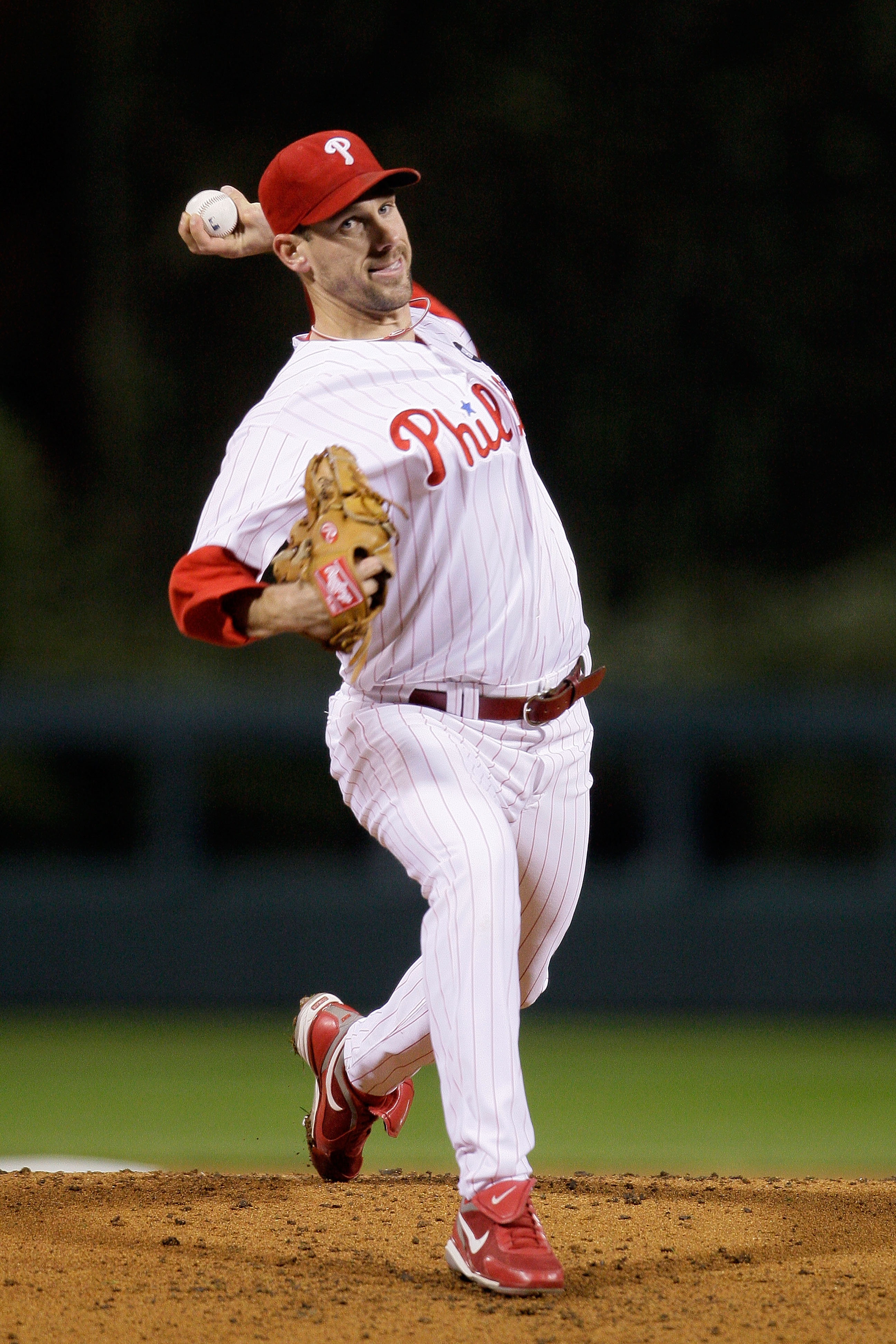 PHILADELPHIA - OCTOBER 18:  Cliff Lee #34 of the Philadelphia Phillies pitches against the Los Angeles Dodgers during Game Three of the NLCS during the 2009 MLB Playoffs at Citizens Bank Park on October 18, 2009 in Philadelphia, Pennsylvania.  (Photo by P