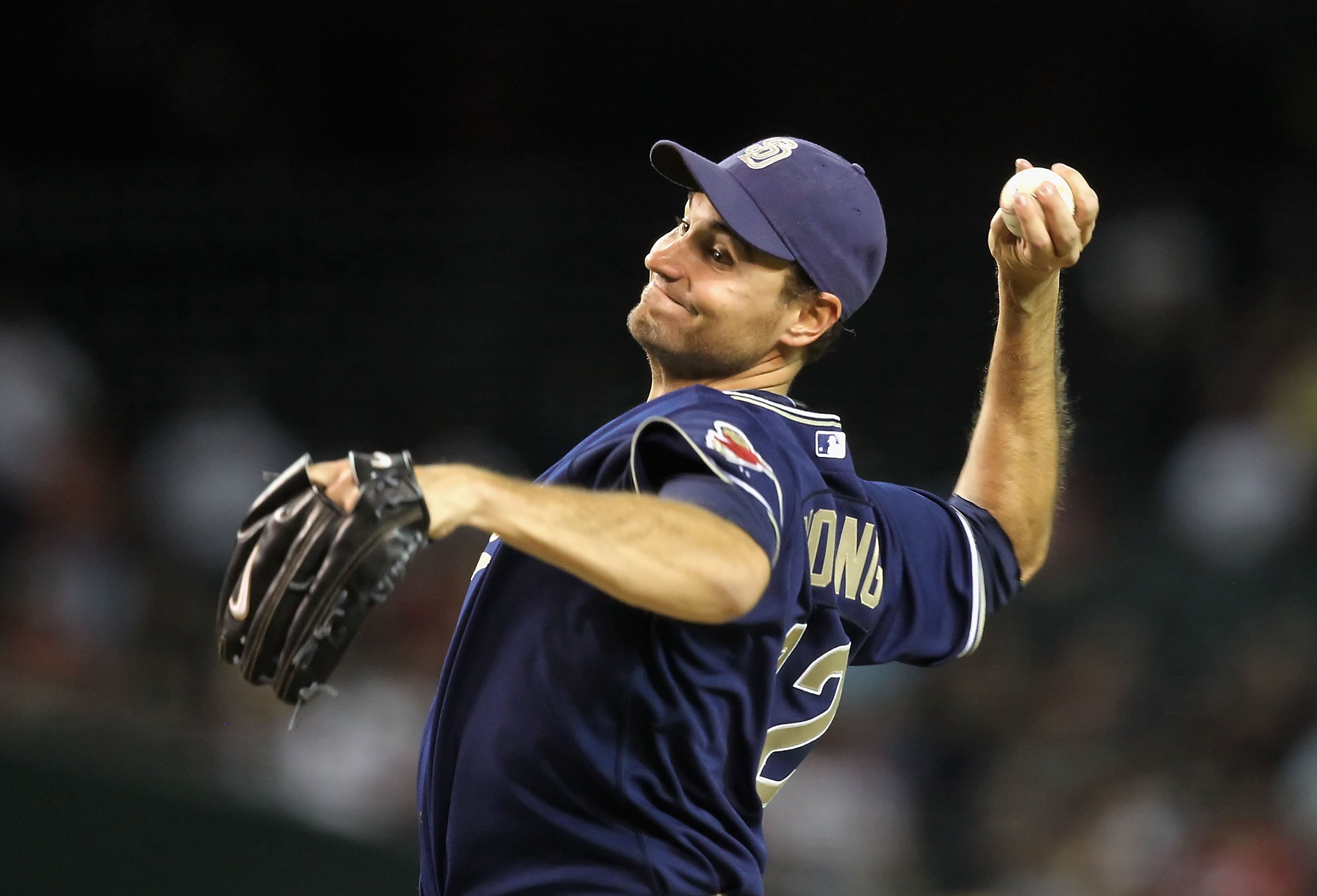 PHOENIX - APRIL 06:  Starting pitcher Chris Young #32 of the San Diego Padres pitches against the Arizona Diamondbacks during the major league baseball game at Chase Field on April 6, 2010 in Phoenix, Arizona.  The Padres defeated the Diamondbacks 6-3.  (
