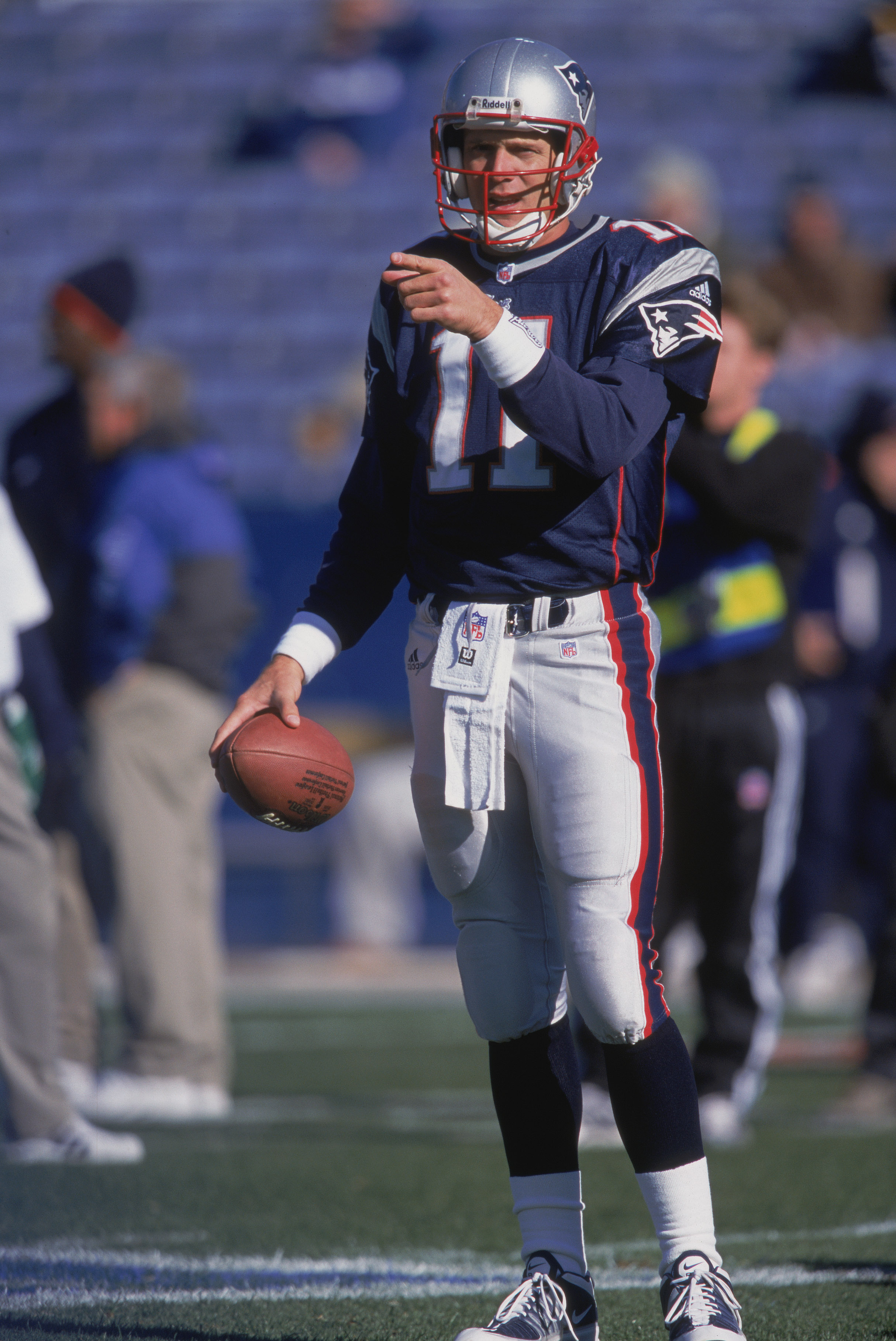 11 Nov 2001:  Quarterback Drew Bledsoe #11 of the New England Patriots warming up before the game against the Buffalo Bills at the Foxboro Stadium in Foxboro, Massachusetts. The Patriots defeated the Bills 21-11.Mandatory Credit: Jamie Squire /Allsport