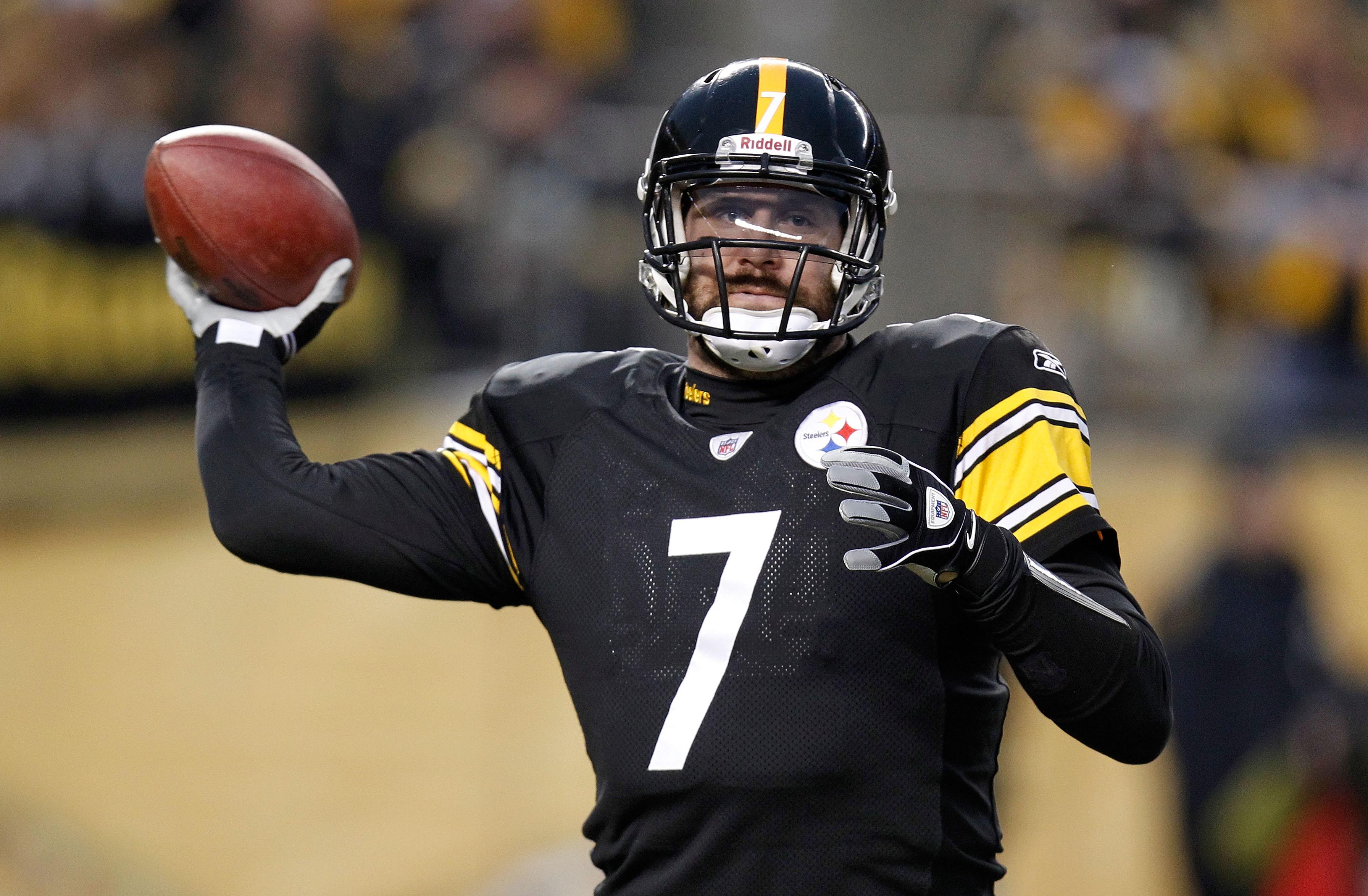 321548c70b7 PITTSBURGH, PA - JANUARY 15: Quarterback Ben Roethlisberger #7 of the  Pittsburgh Steelers