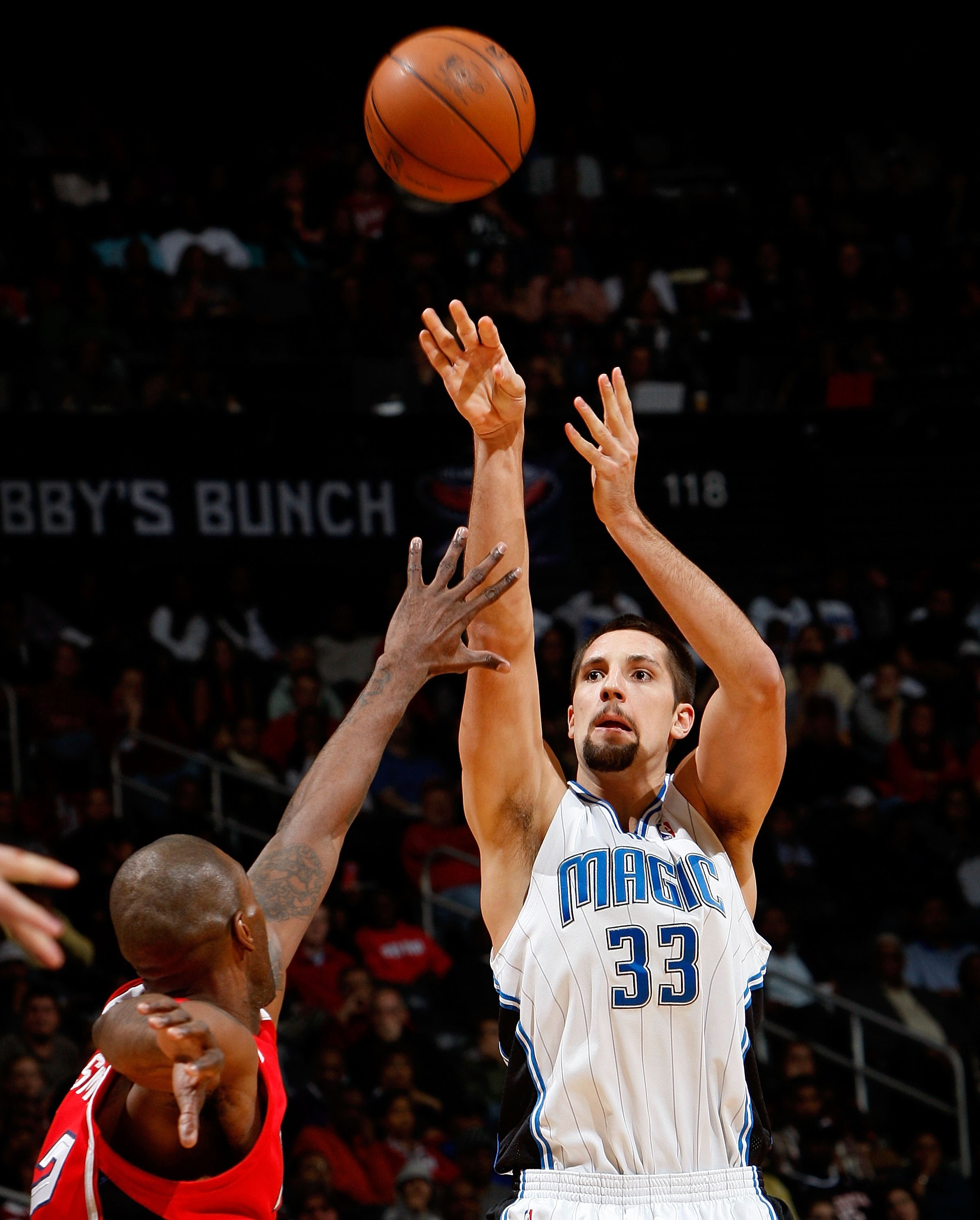 ATLANTA - NOVEMBER 26:  Ryan Anderson #33 of the Orlando Magic against the Atlanta Hawks at Philips Arena on November 26, 2009 in Atlanta, Georgia.  NOTE TO USER: User expressly acknowledges and agrees that, by downloading and/or using this Photograph, Us