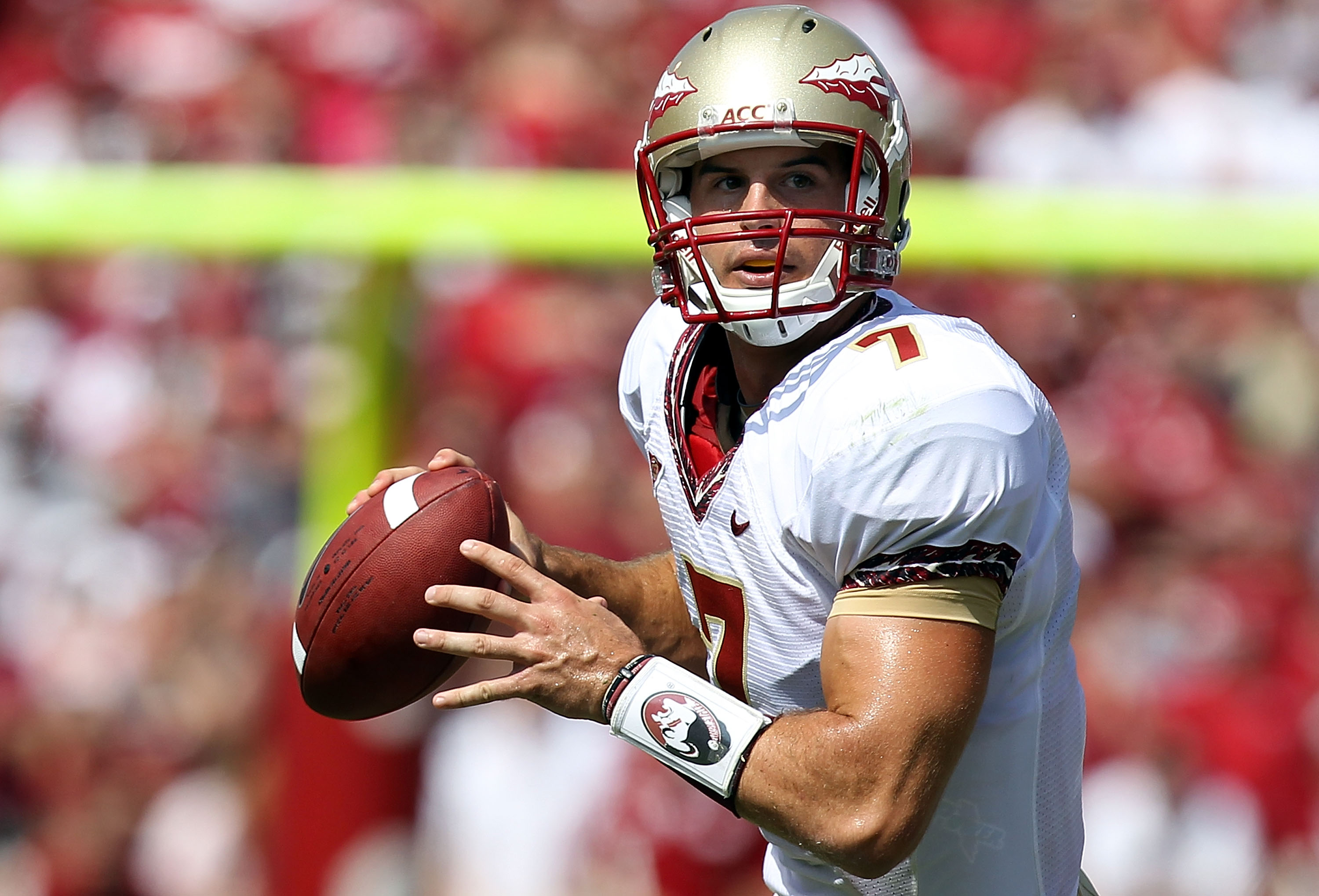 NORMAN, OK - SEPTEMBER 11:  Quarterback Christian Ponder #7 of the Florida State Seminoles drops back to pass against the Oklahoma Sooners at Gaylord Family Oklahoma Memorial Stadium on September 11, 2010 in Norman, Oklahoma.  (Photo by Ronald Martinez/Ge