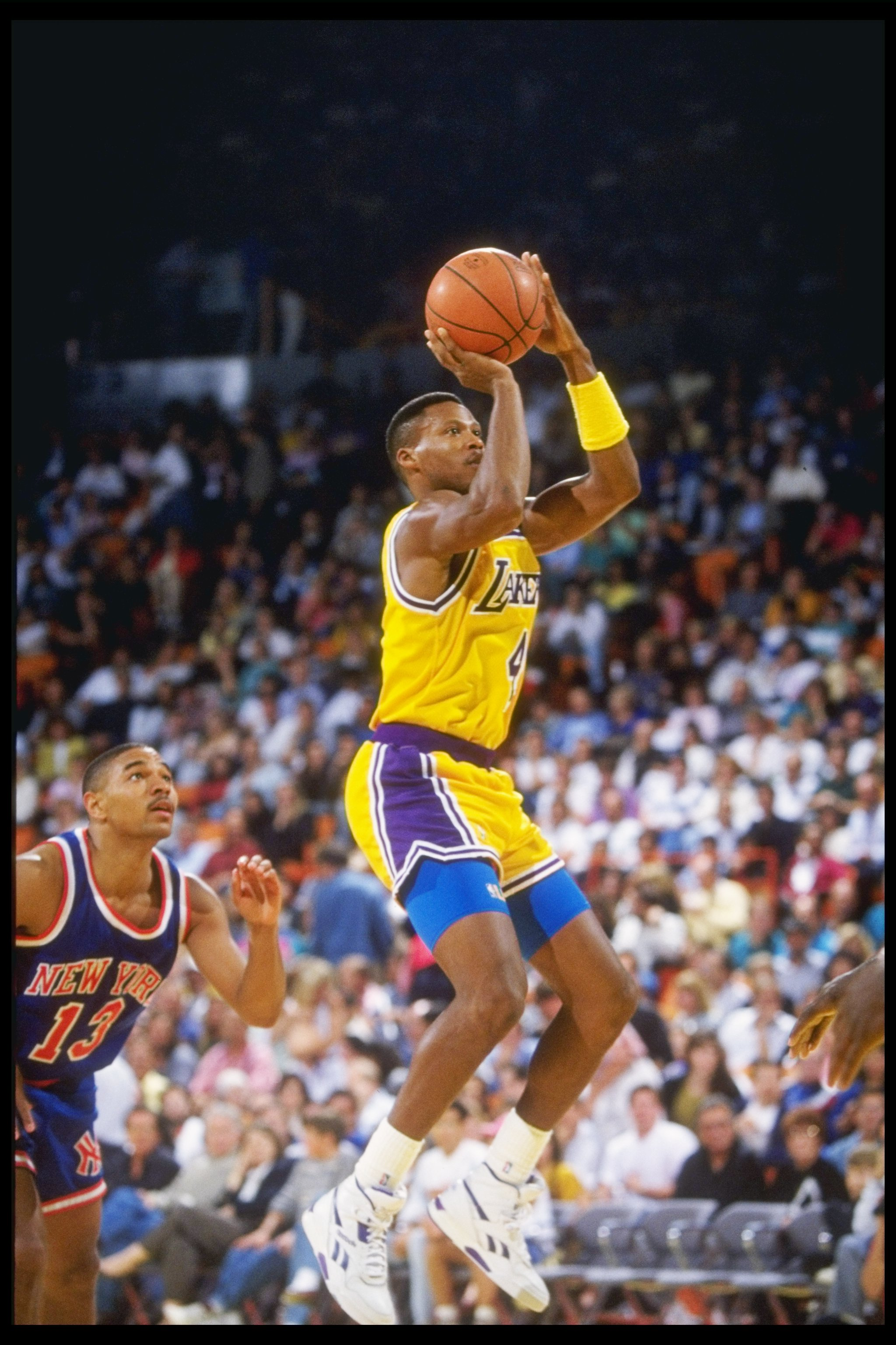 1990-1991:  Guard Byron Scott of the Los Angeles Lakers shoots the ball during a game. Mandatory Credit: Otto Greule Jr.  /Allsport